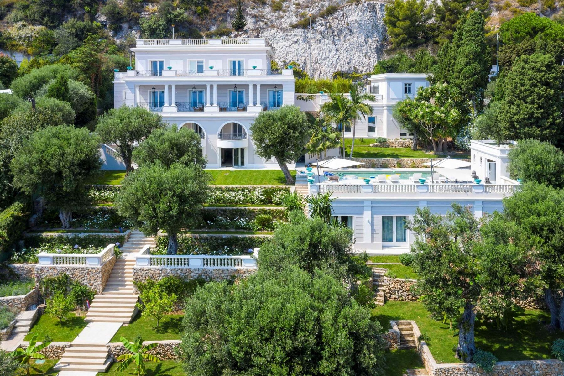 Single Family Homes por un Venta en Magnificent Mansion House on the doorstep of Monaco Cap D'Ail, Provincia - Alpes - Costa Azul 06320 Francia