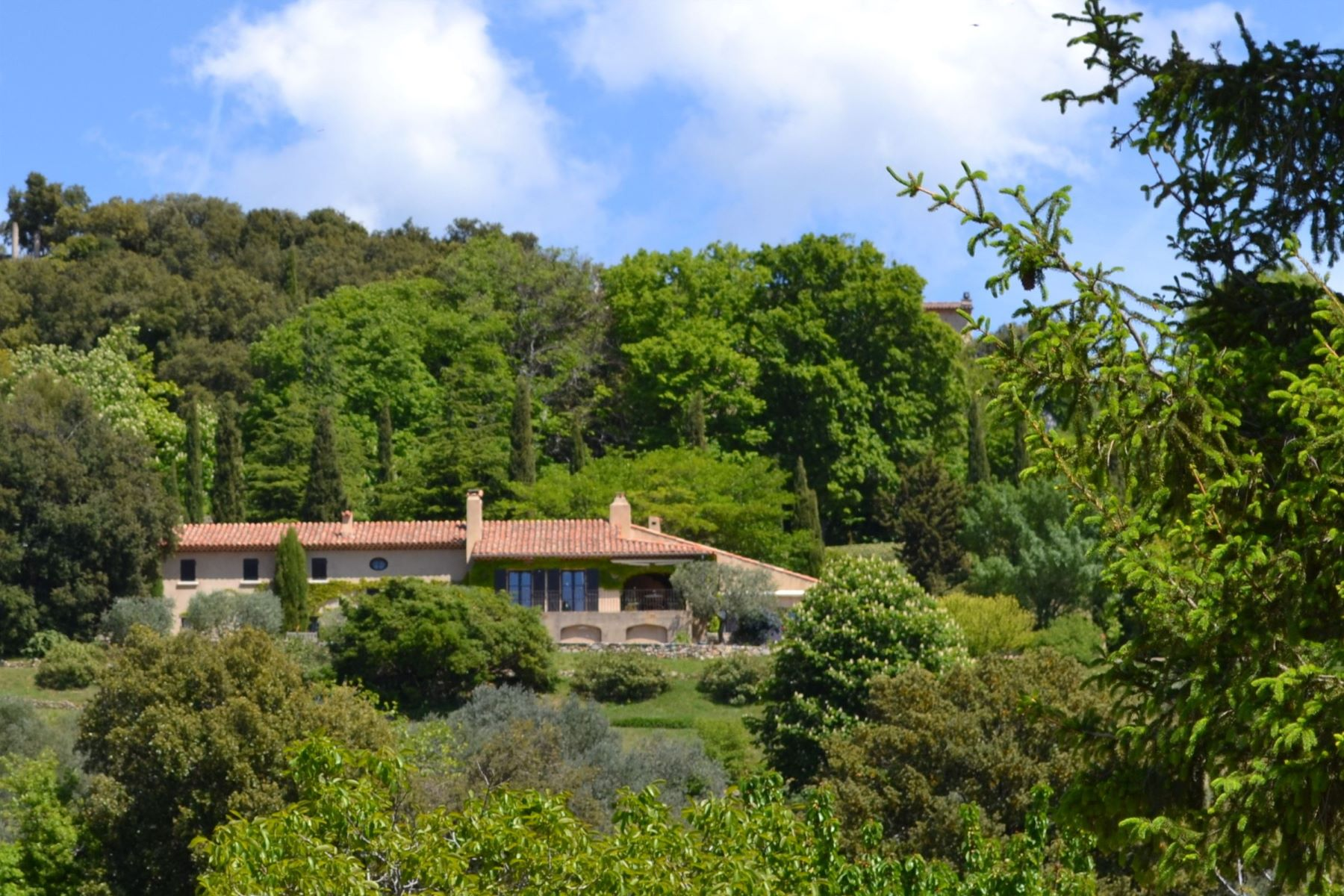 Single Family Homes por un Venta en UNDER OFFER: BEAUTIFUL PROPERTY ON 2,14 HA Tourtour, Provincia - Alpes - Costa Azul 83690 Francia
