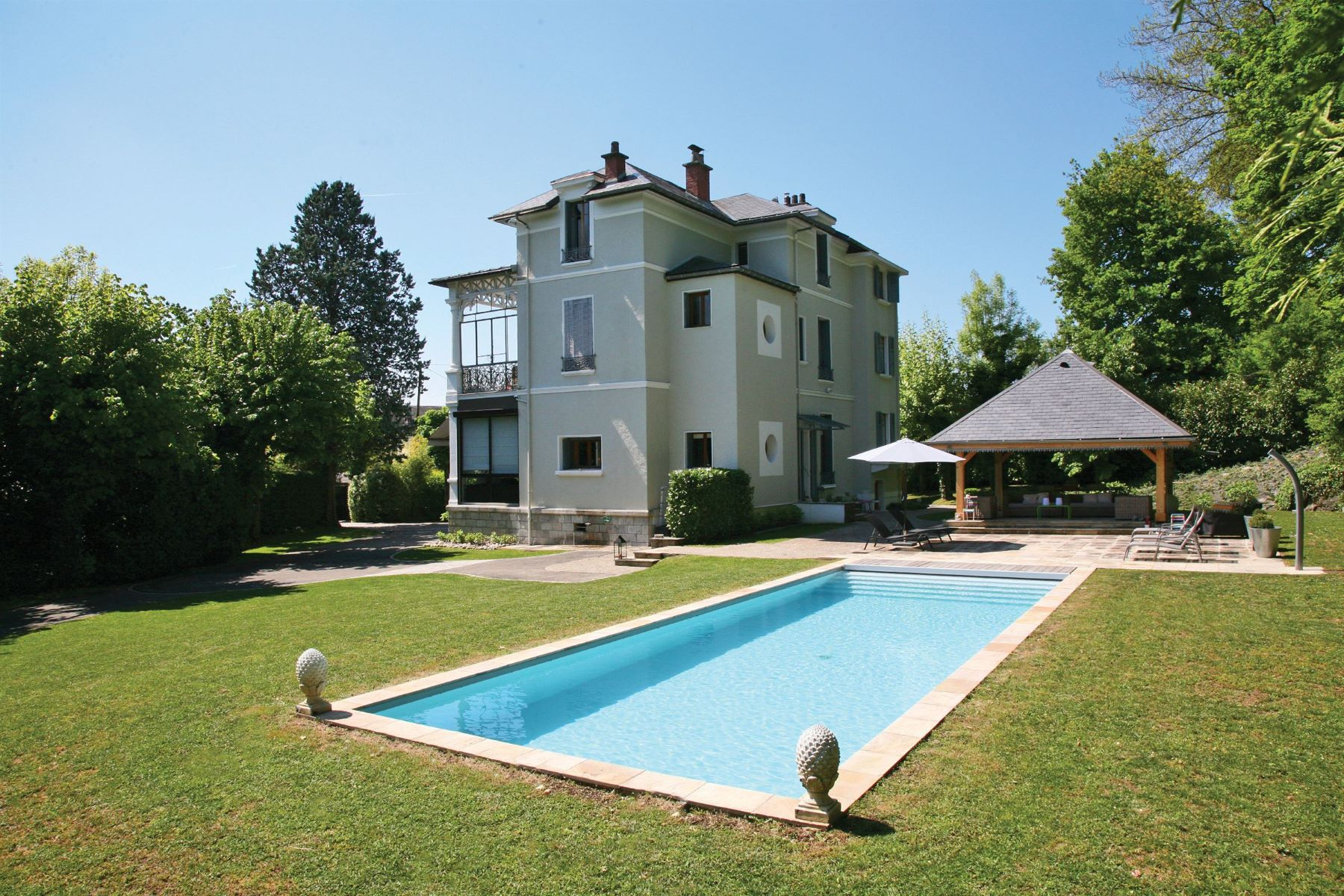 Single Family Home for Sale at Elegant property of the beautiful era. Aix Les Bains, Rhone-Alpes, 73100 France