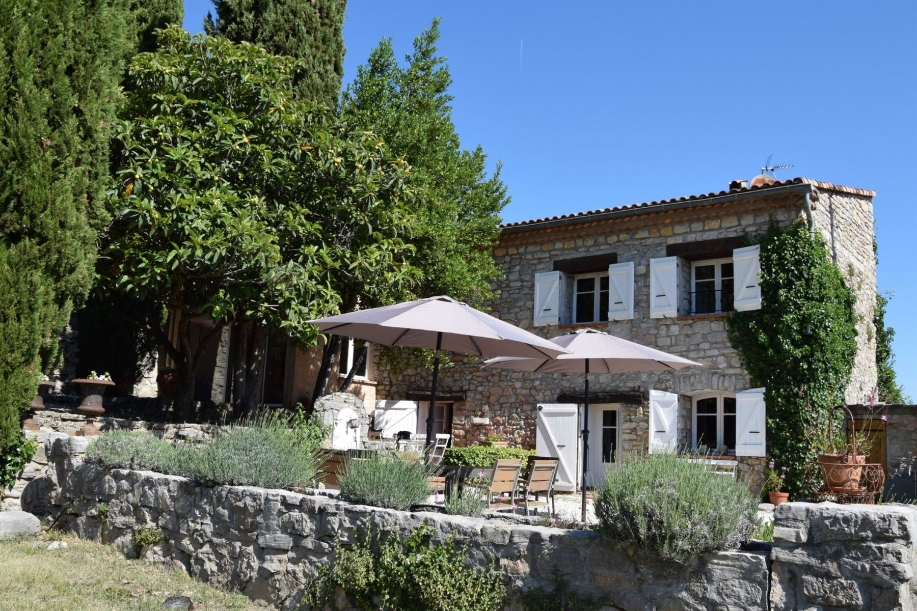 Single Family Homes por un Venta en Authentic stone house Draguignan, Provincia - Alpes - Costa Azul 83300 Francia