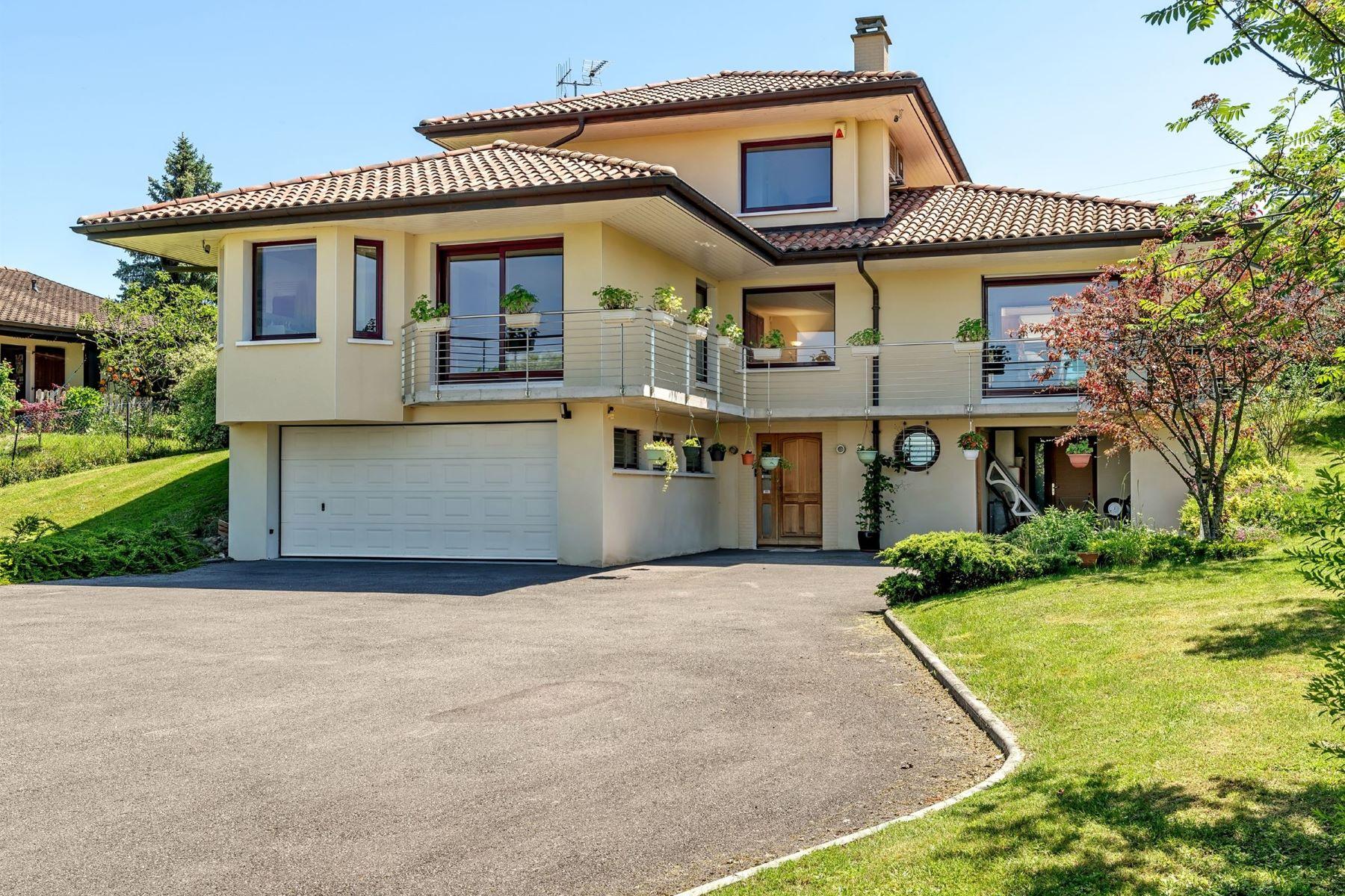 واحد منزل الأسرة للـ Sale في House Marin, Rhone-Alpes, 74200 France