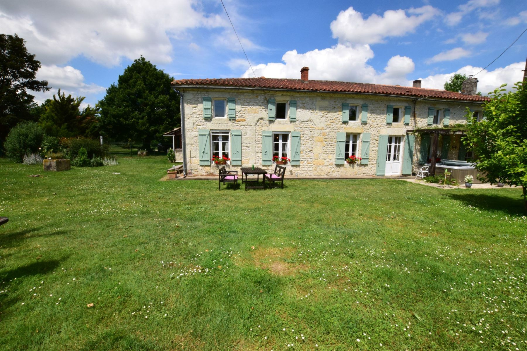Single Family Home for Sale at Charentaise house with 2 gites Other Poitou-Charentes, Poitou-Charentes, 17240 France