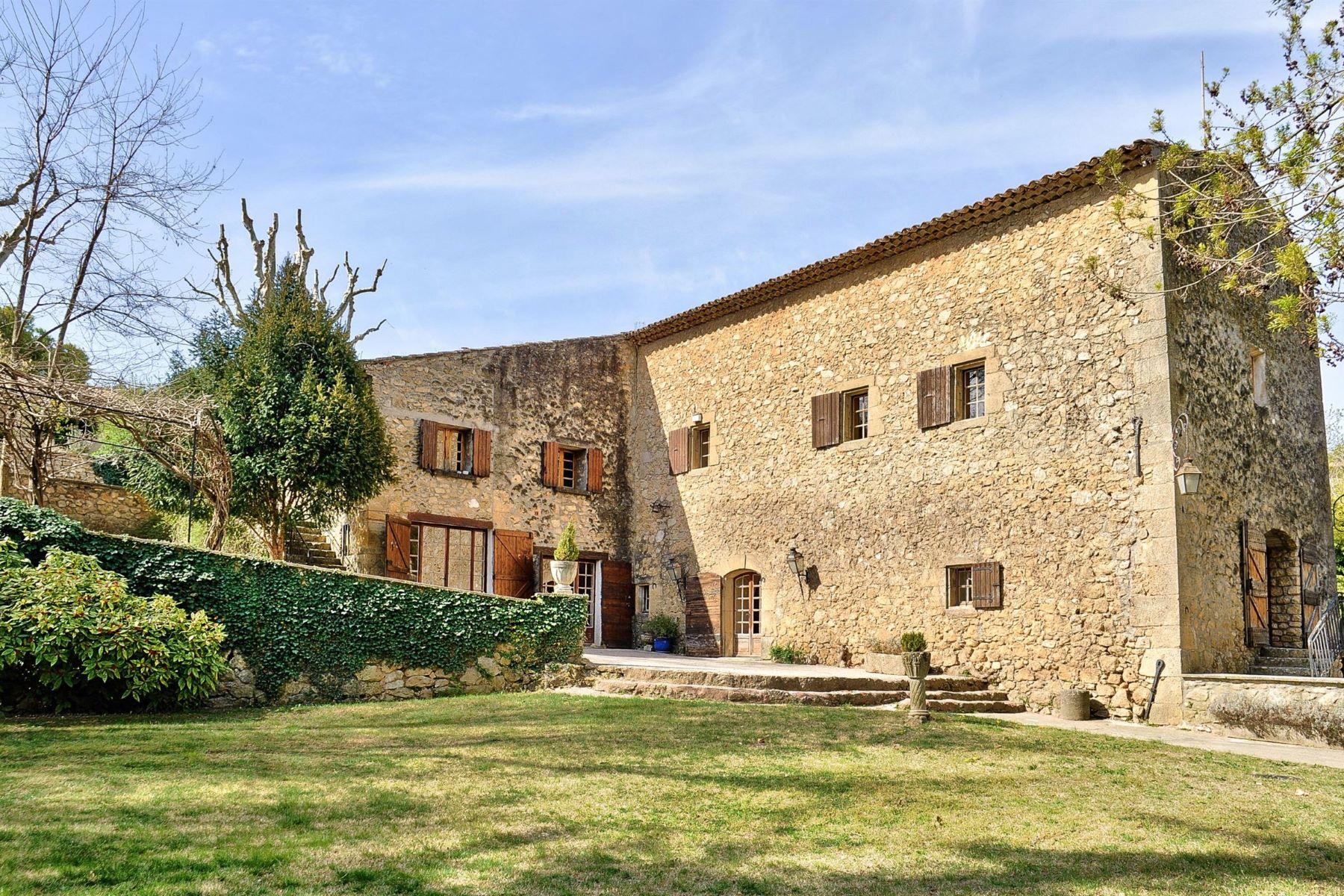 townhouses por un Venta en Mill offers 300 m2 Jouques, Provincia - Alpes - Costa Azul 13490 Francia