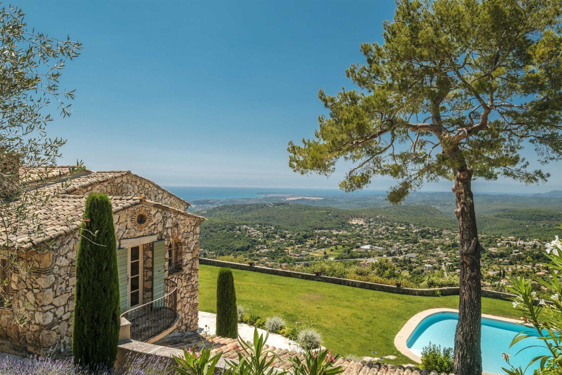 Single Family Homes por un Venta en Provençal country home for sale, Vence Vence, Provincia - Alpes - Costa Azul 06140 Francia