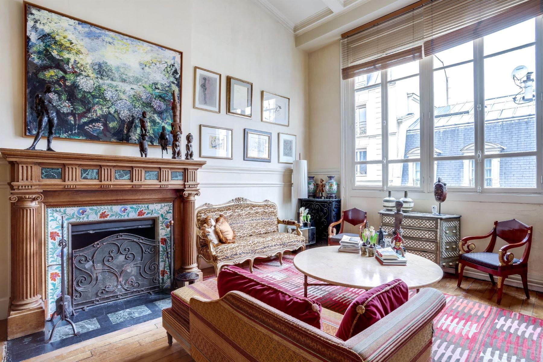 Single Family Home for Sale at Mansion Paris, Ile-De-France 75017 France