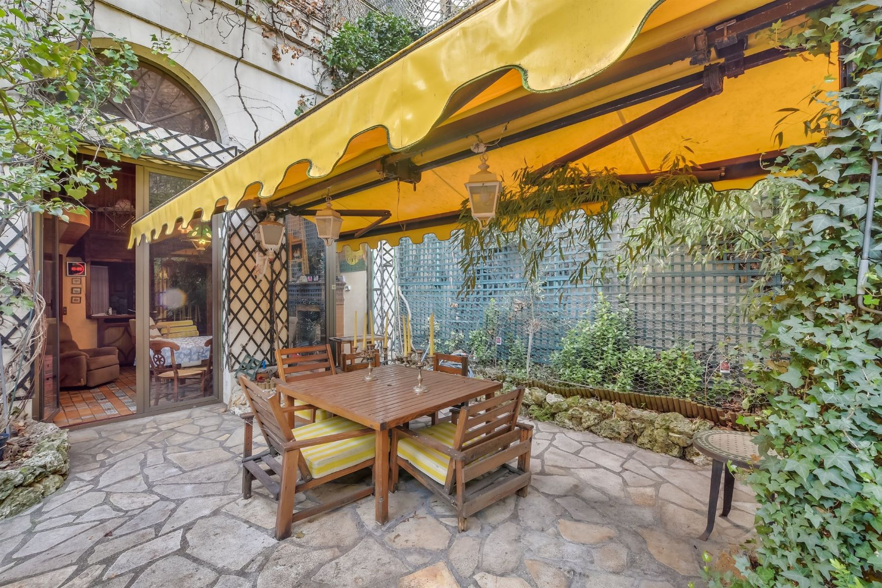 sales property at Superb Private Mansion for sale in Paris 8th - Champs-Elysées