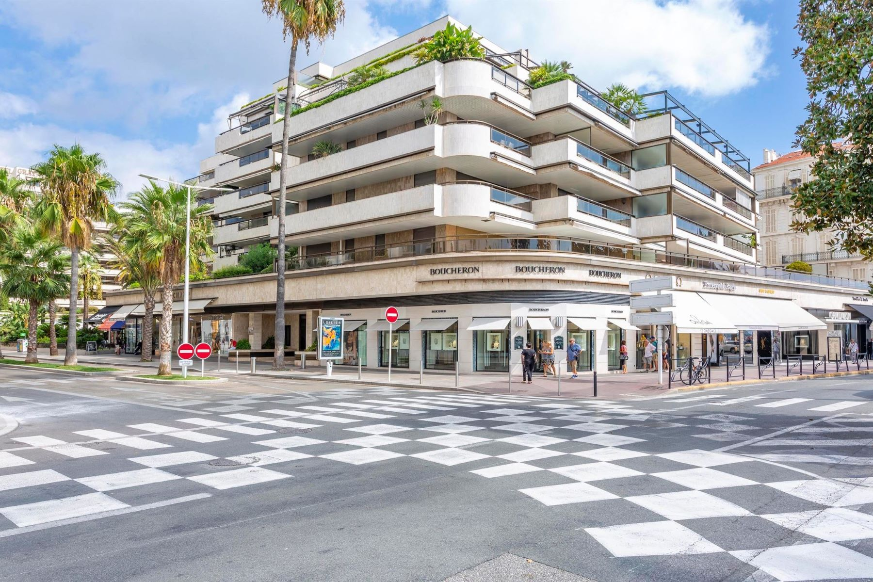 Apartments por un Venta en Unique location - Gray d'Albion - 248 sq.m of living space Cannes, Provincia - Alpes - Costa Azul 06400 Francia
