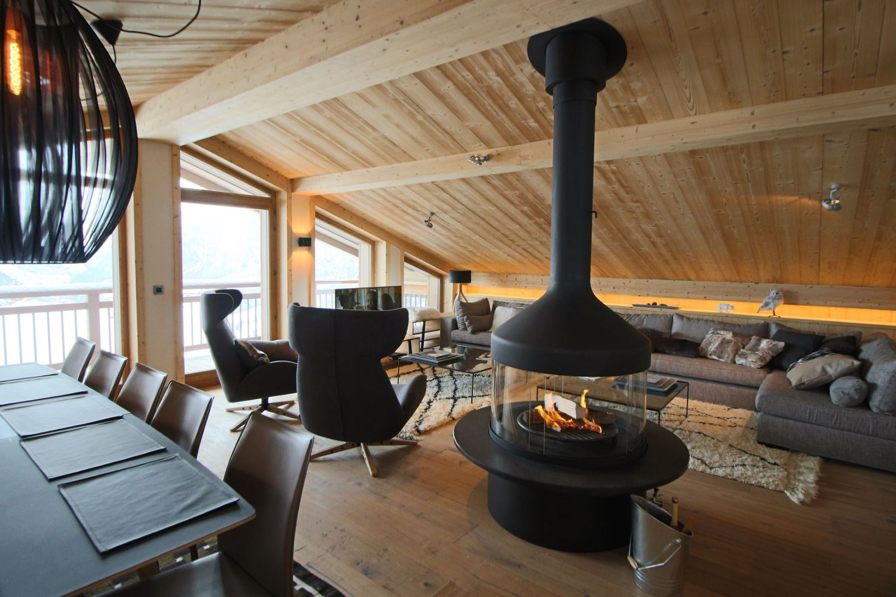 Single Family Home for Sale at Chalet Monch Courchevel Courchevel, Rhone-Alpes, 73120 France