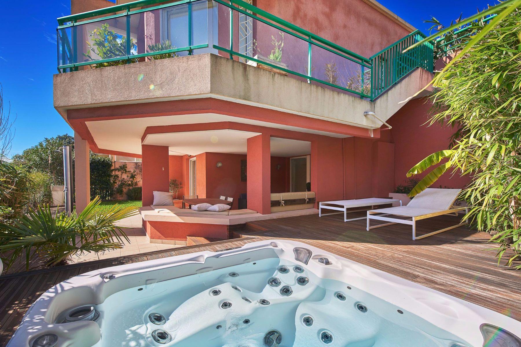 Частный односемейный дом для того Продажа на Californian style villa - open views - close to Cannes Mandelieu La Napoule, Прованс-Альпы-Лазурный Берег, 06210 Франция