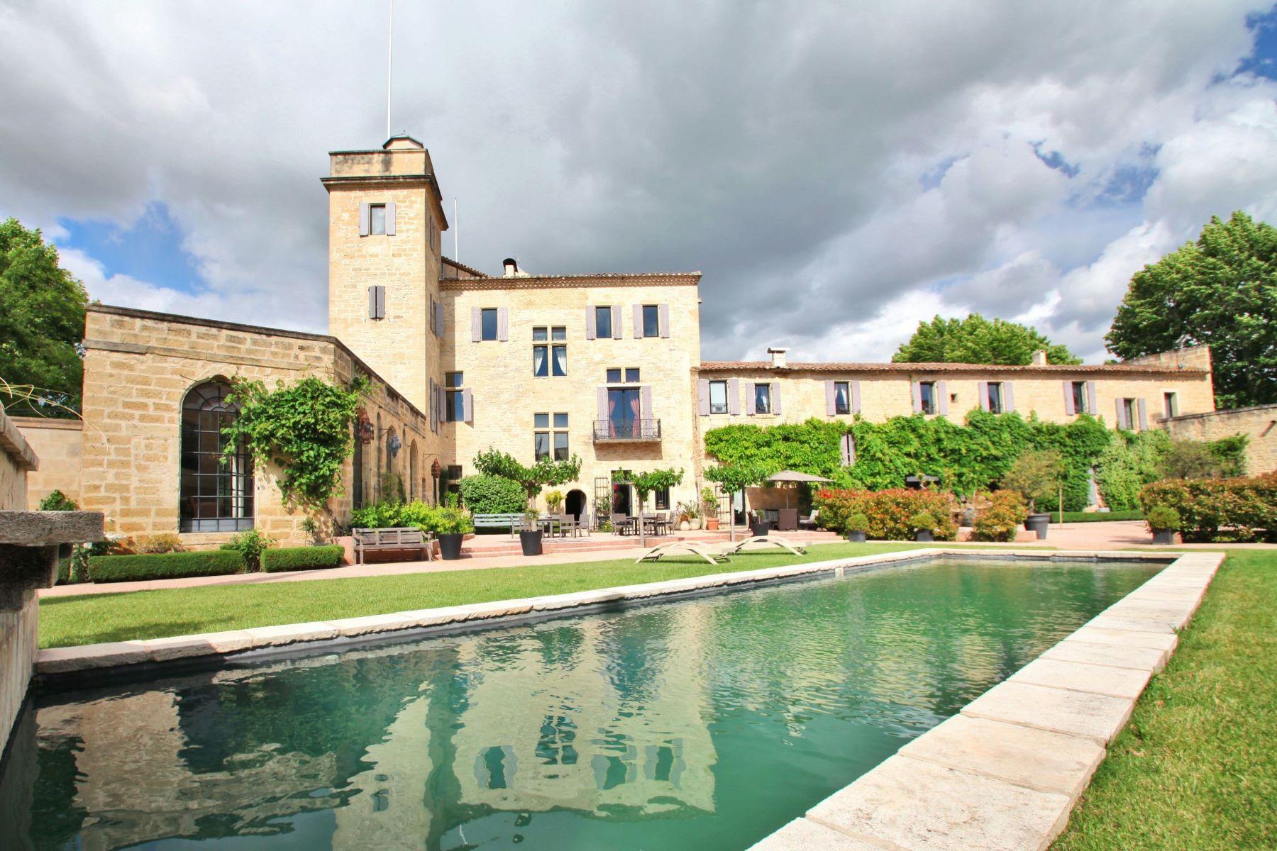 Casa Unifamiliar por un Venta en BEAUTIFUL PROPERTY AT 10 MI FROM THE SEA Montpellier, Languedoc-Rosellón, 34000 Francia