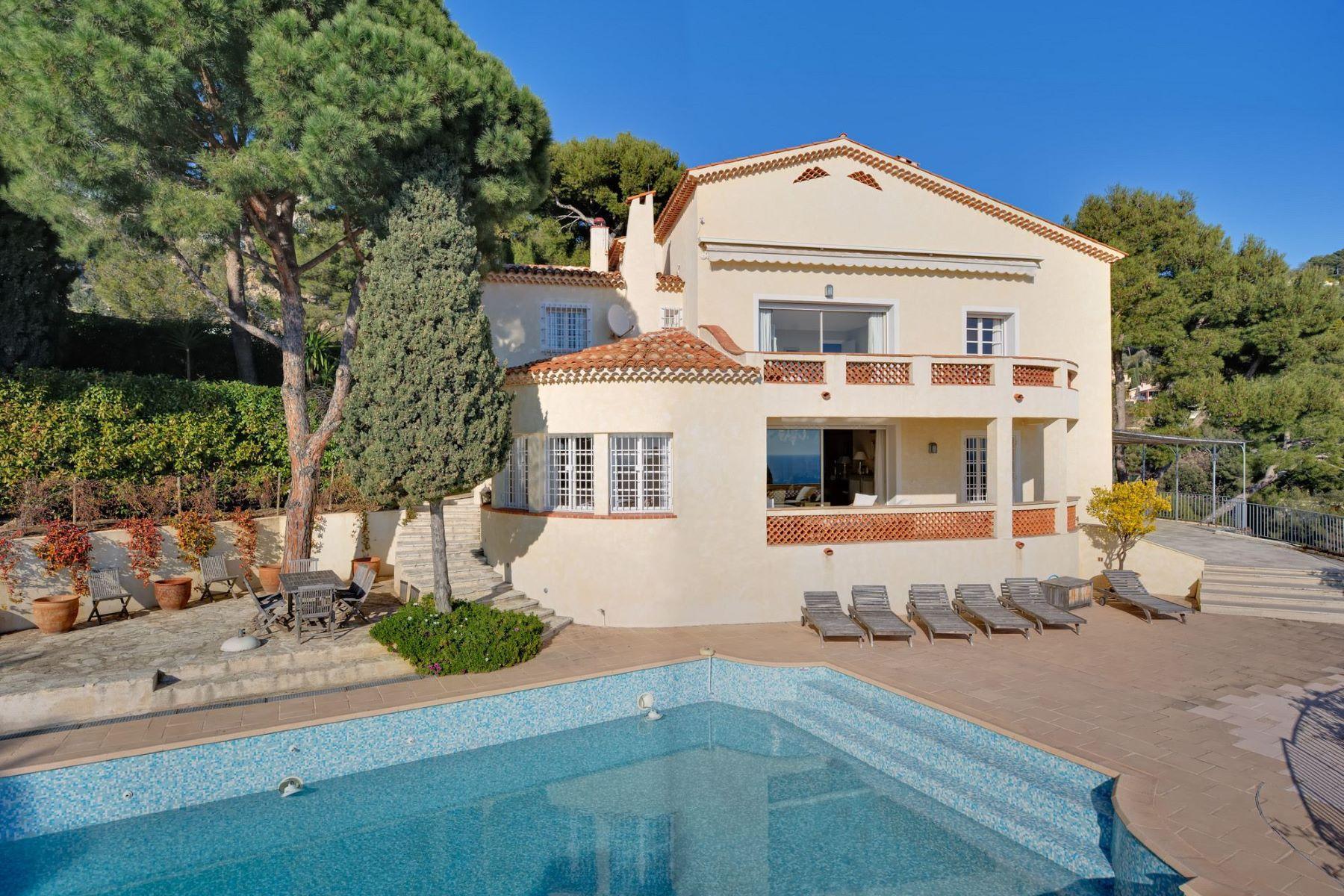 Single Family Homes por un Venta en Sole agent - elegant property with panoramic sea views - Villefranche-sur-Mer Villefranche Sur Mer, Provincia - Alpes - Costa Azul 06230 Francia