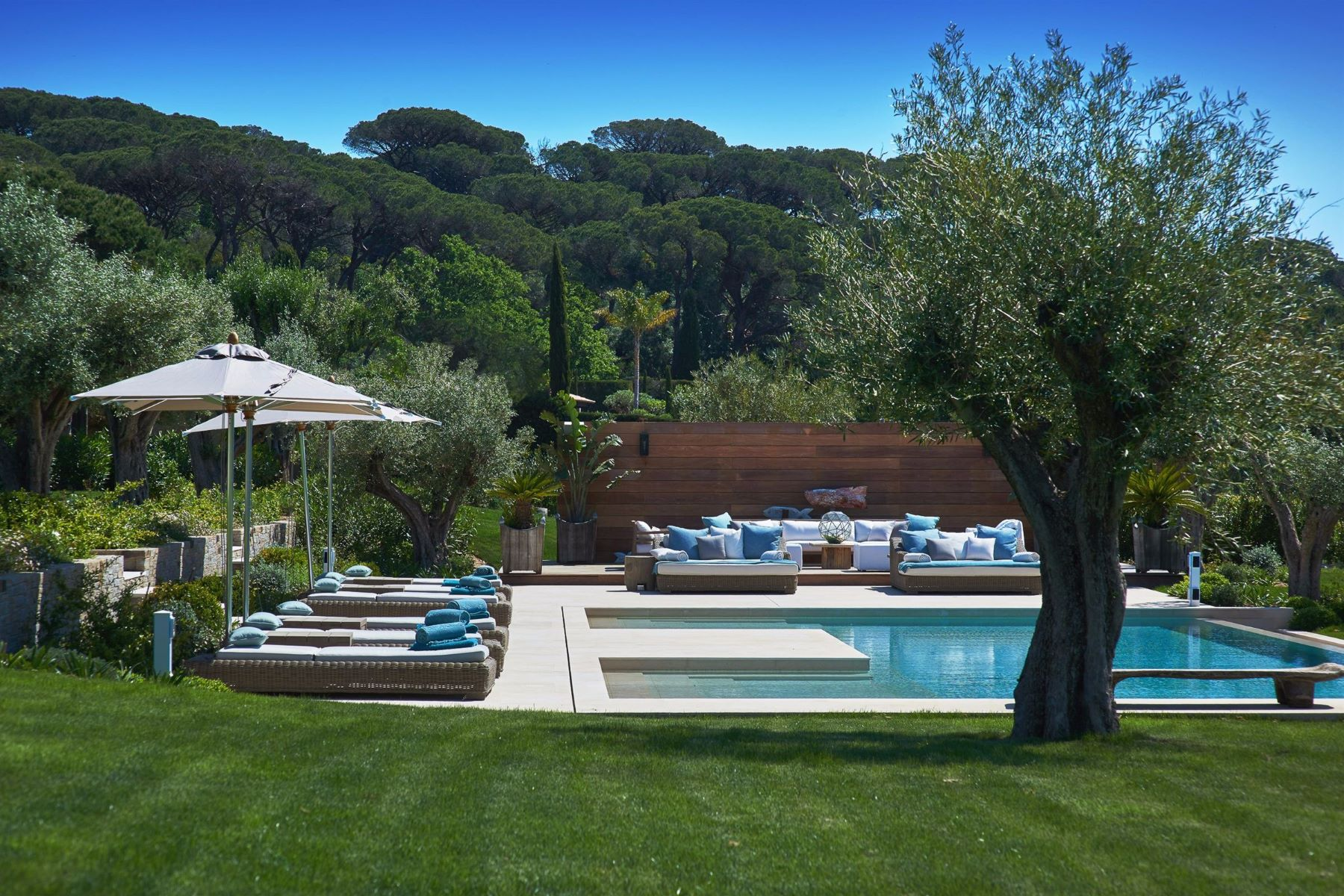 Additional photo for property listing at Sole agent - Le Mas du Figuier - high-end property in Saint-Tropez  Saint Tropez, Provence-Alpes-Cote D'Azur 83990 France