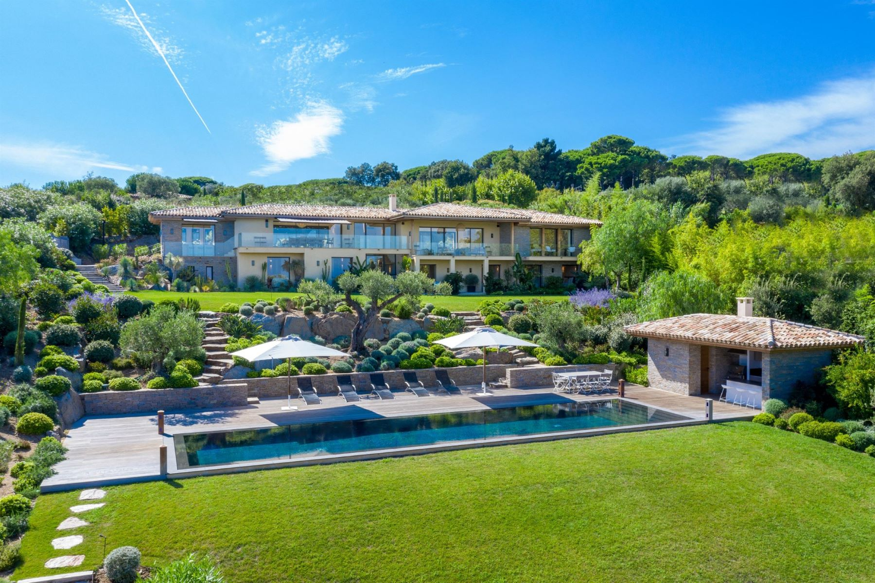 Single Family Homes for Sale at Magnificent contemporary style property in Saint-Tropez Saint Tropez, Provence-Alpes-Cote D'Azur 83990 France