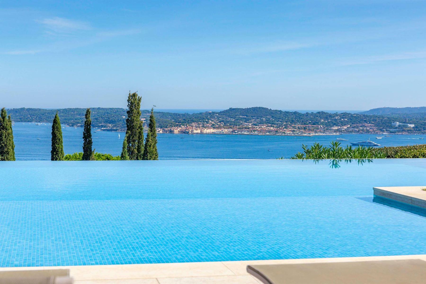 Single Family Homes por un Venta en House Grimaud, Provincia - Alpes - Costa Azul 83310 Francia