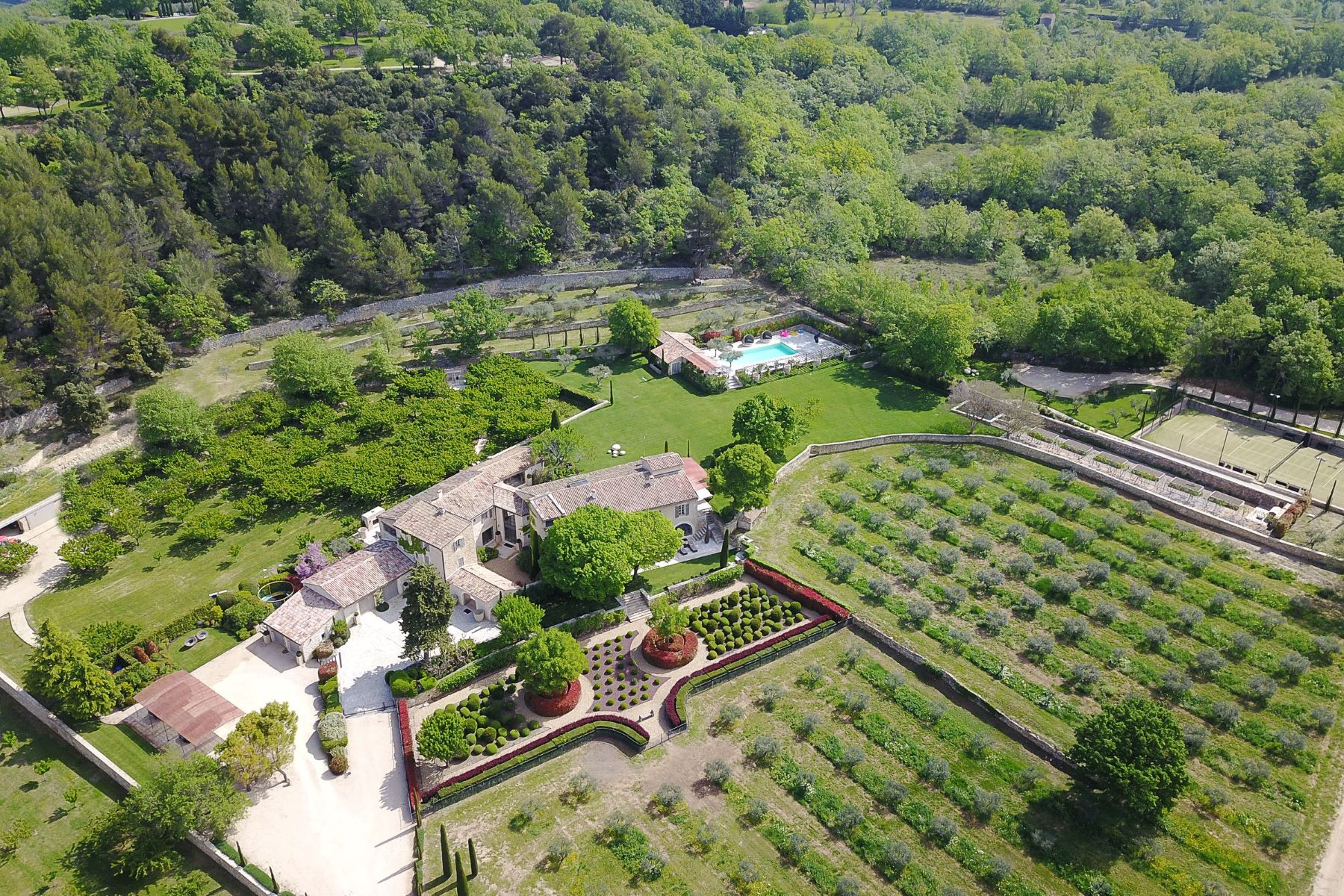 single family homes for Sale at Exceptionnal property in Provence Gordes, Provence-Alpes-Cote D'Azur 84220 France