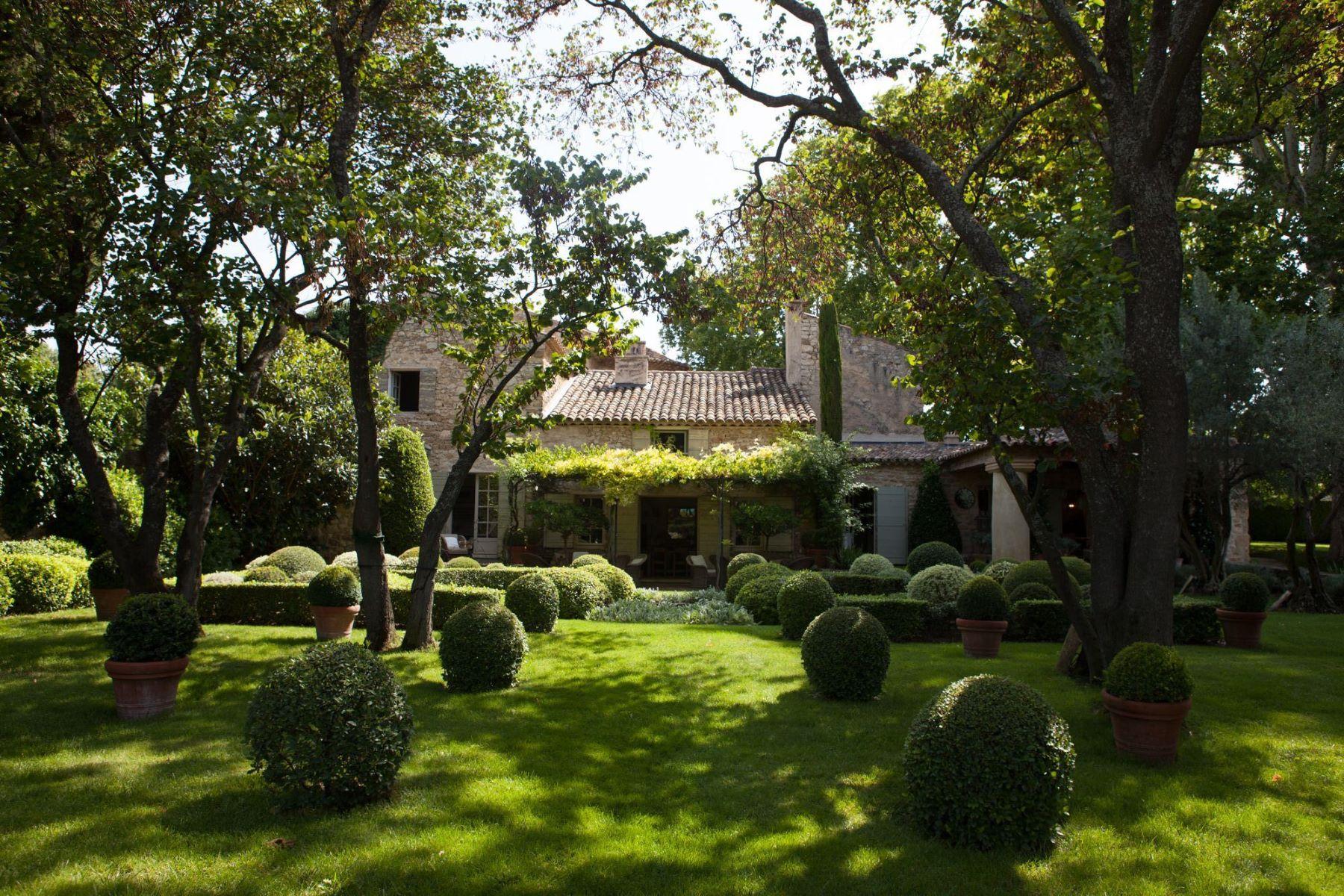 Single Family Homes por un Venta en A perfect Provence getaway Lourmarin, Provincia - Alpes - Costa Azul 84160 Francia