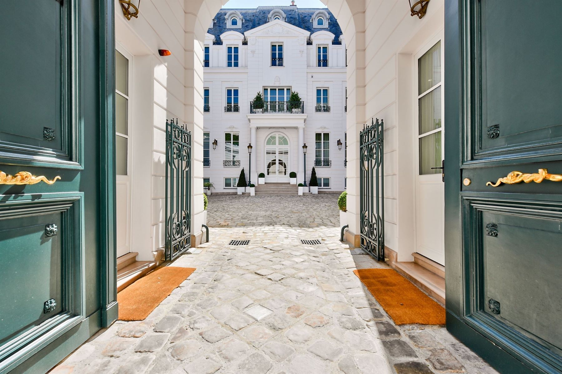 Single Family Homes for Sale at Boulevard St Germain : a residence with main courtyard and garden Paris, Ile-De-France 75007 France