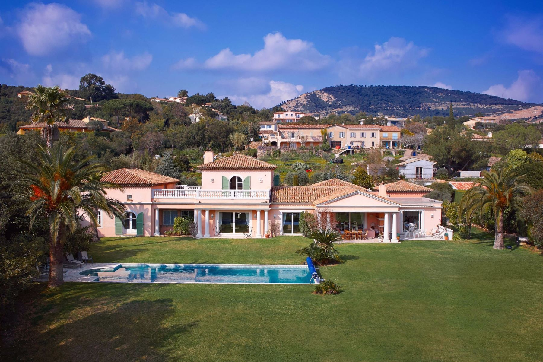 Single Family Home for Sale at Property with sea view and tennis court Grimaud, Provence-Alpes-Cote D'Azur, 83310 France