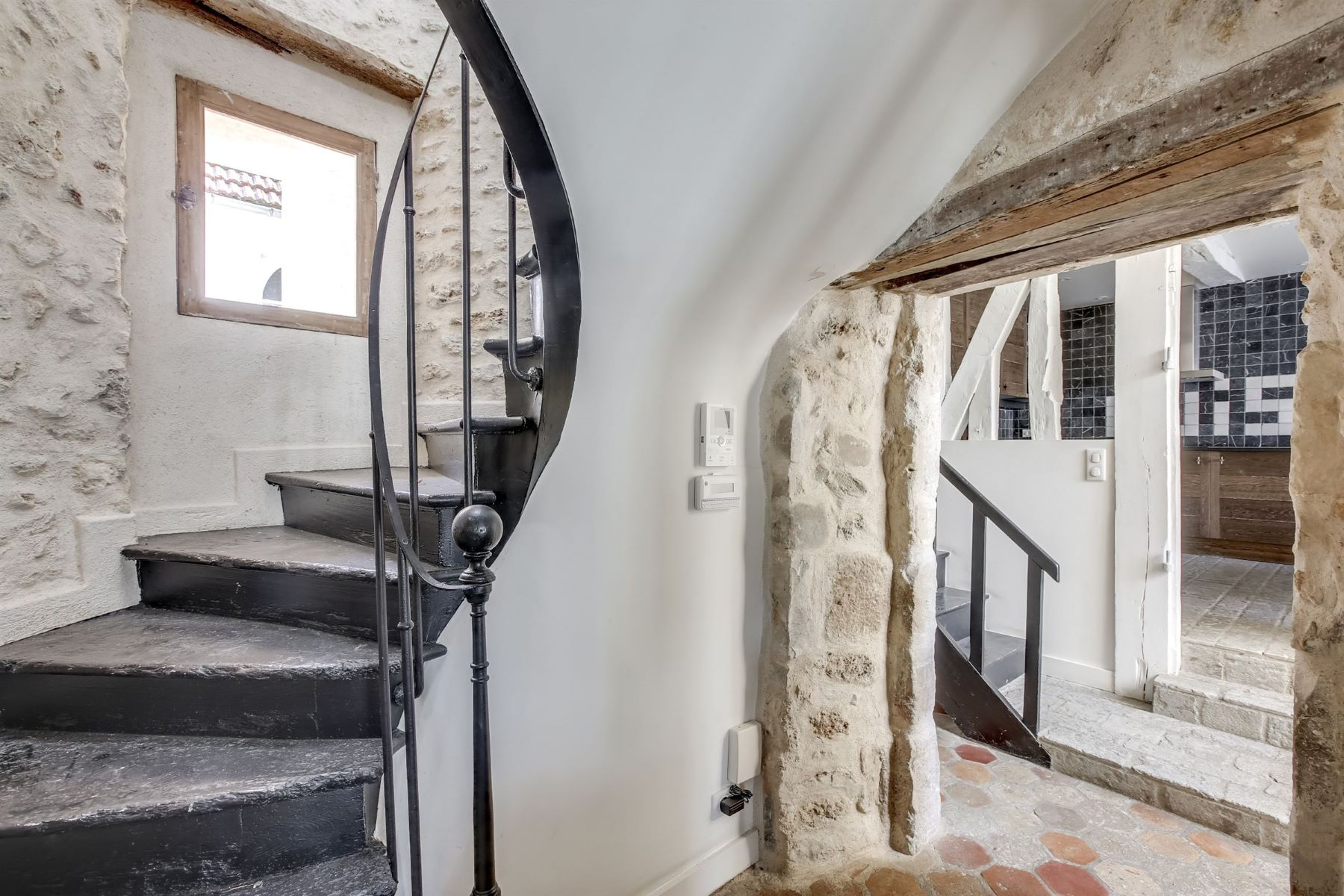 Single Family Homes for Active at Beautiful property for housing or offices in Montfort-l'Amaury Montfort L Amaury, Ile-De-France 78490 France