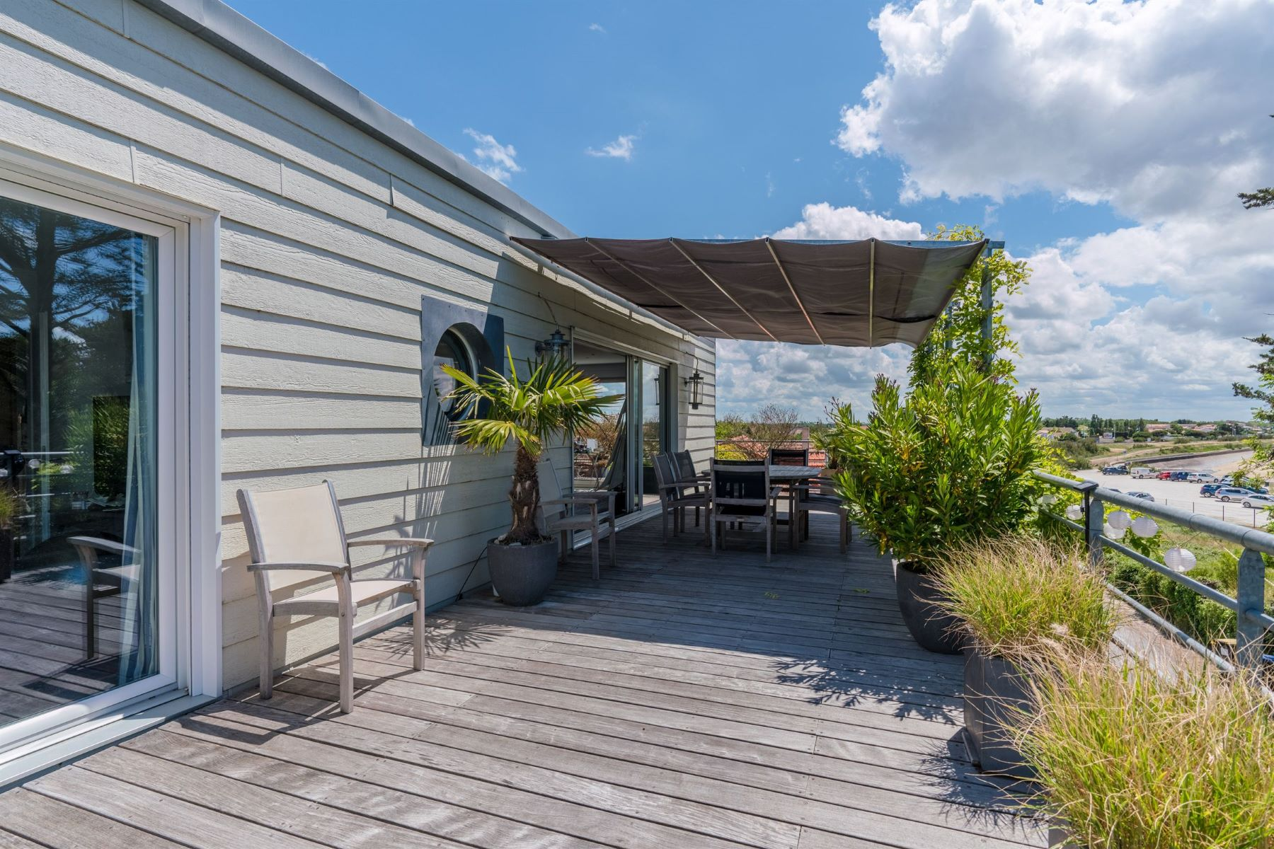 Single Family Homes por un Venta en Beautiful contemporary house sea view La Rochelle, Poitou-Charentes 17000 Francia