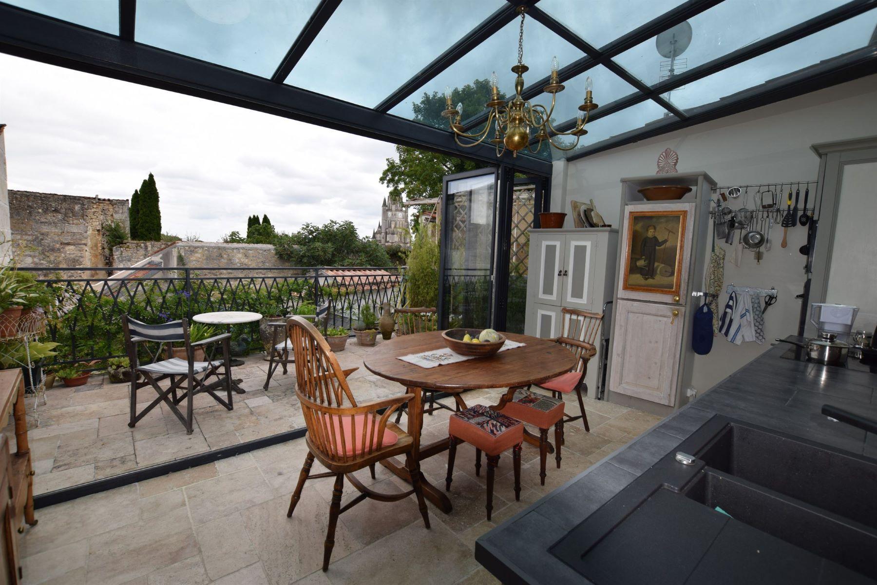 Single Family Home for Sale at Town house - SAINTES Saintes, Poitou-Charentes, 17100 France