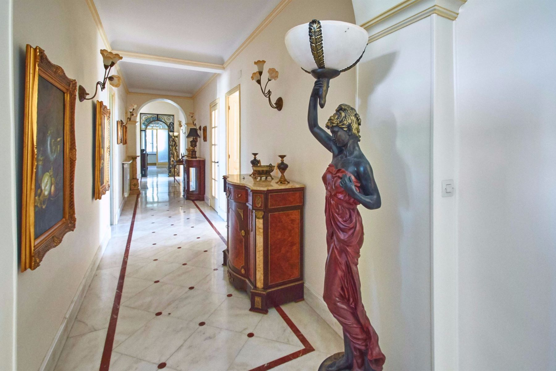 Apartment for Sale at Bourgeois apartment for sale in Cannes Oxford Cannes, Provence-Alpes-Cote D'Azur, 06400 France