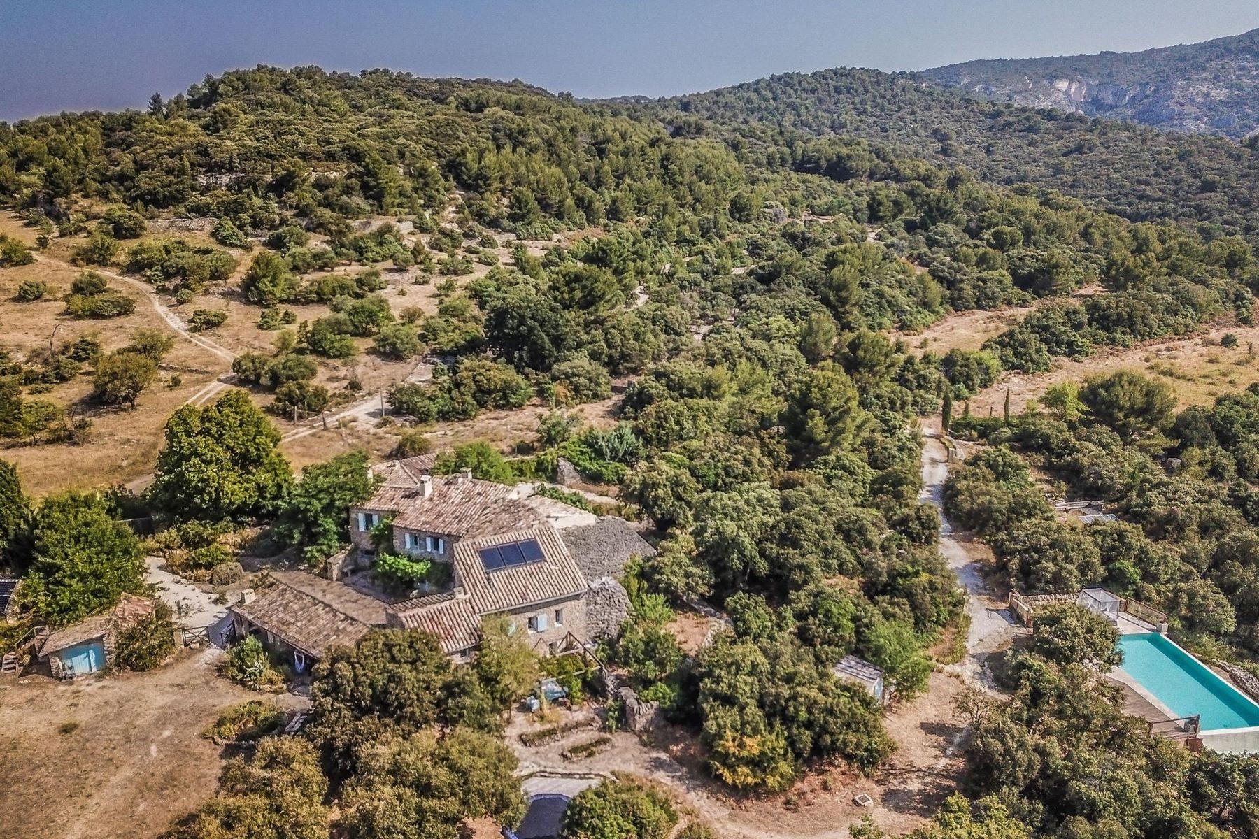 Single Family Homes por un Venta en A well being in Provence Le Beaucet, Provincia - Alpes - Costa Azul 84210 Francia