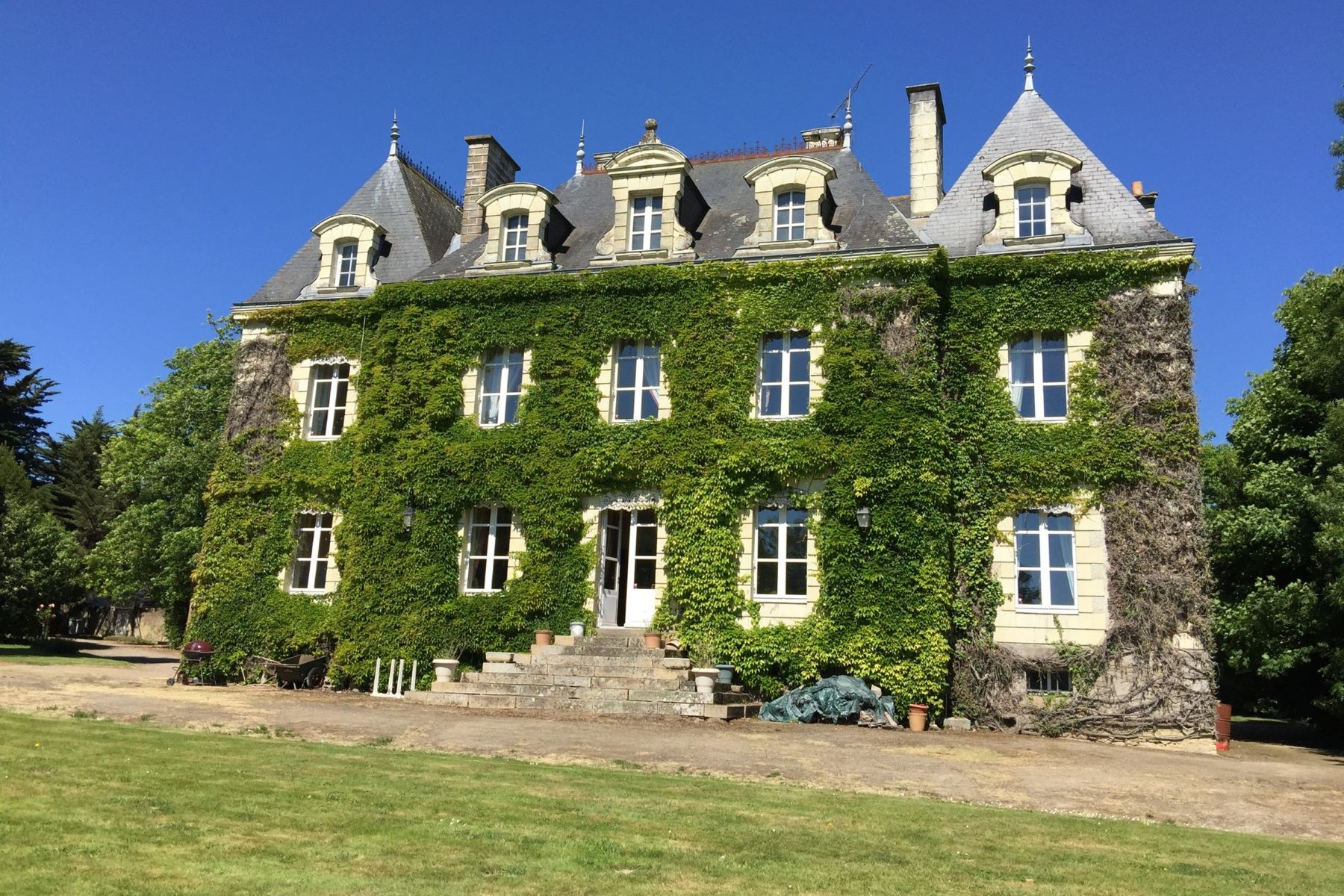 Casa Unifamiliar por un Venta en PORNIC SOMPTUOUS CASTEL Pornic, Pays De La Loire, 44210 Francia