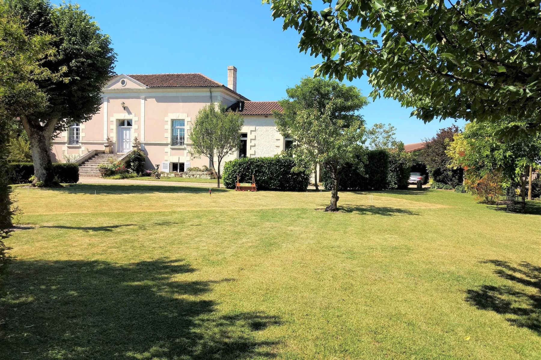 Single Family Homes for Active at Mid 19th century stone country house Richelieu, Centre 37120 France