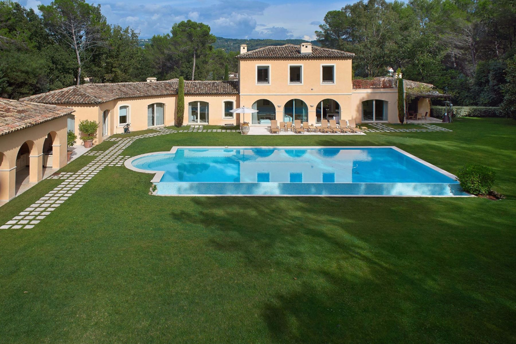 Single Family Home for Sale at Luxury 'bastide' in a gated domain of Mougins Mougins, Provence-Alpes-Cote D'Azur 06250 France