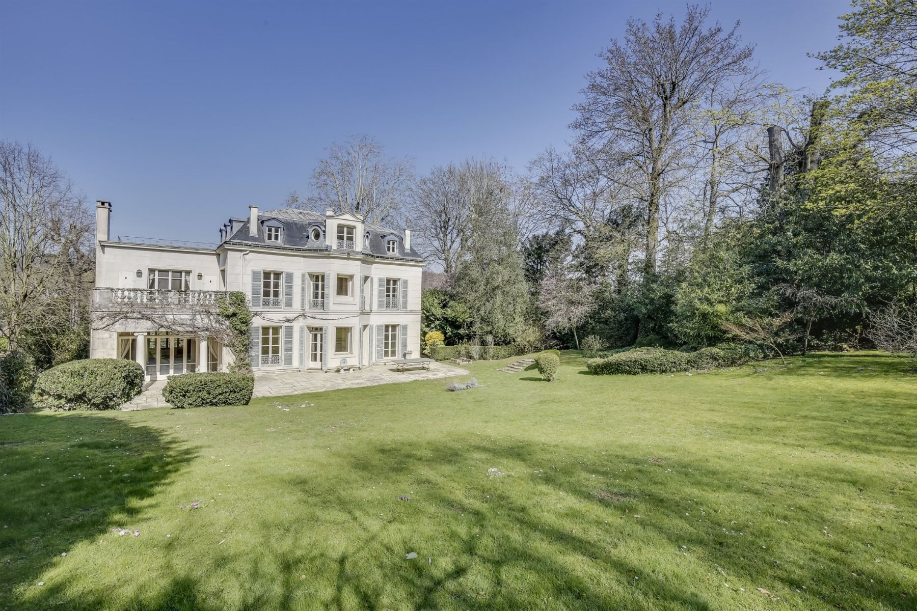 Single Family Homes for Active at Luxury property in Ville d'Avray Ville D Avray, Ile-De-France 92410 France