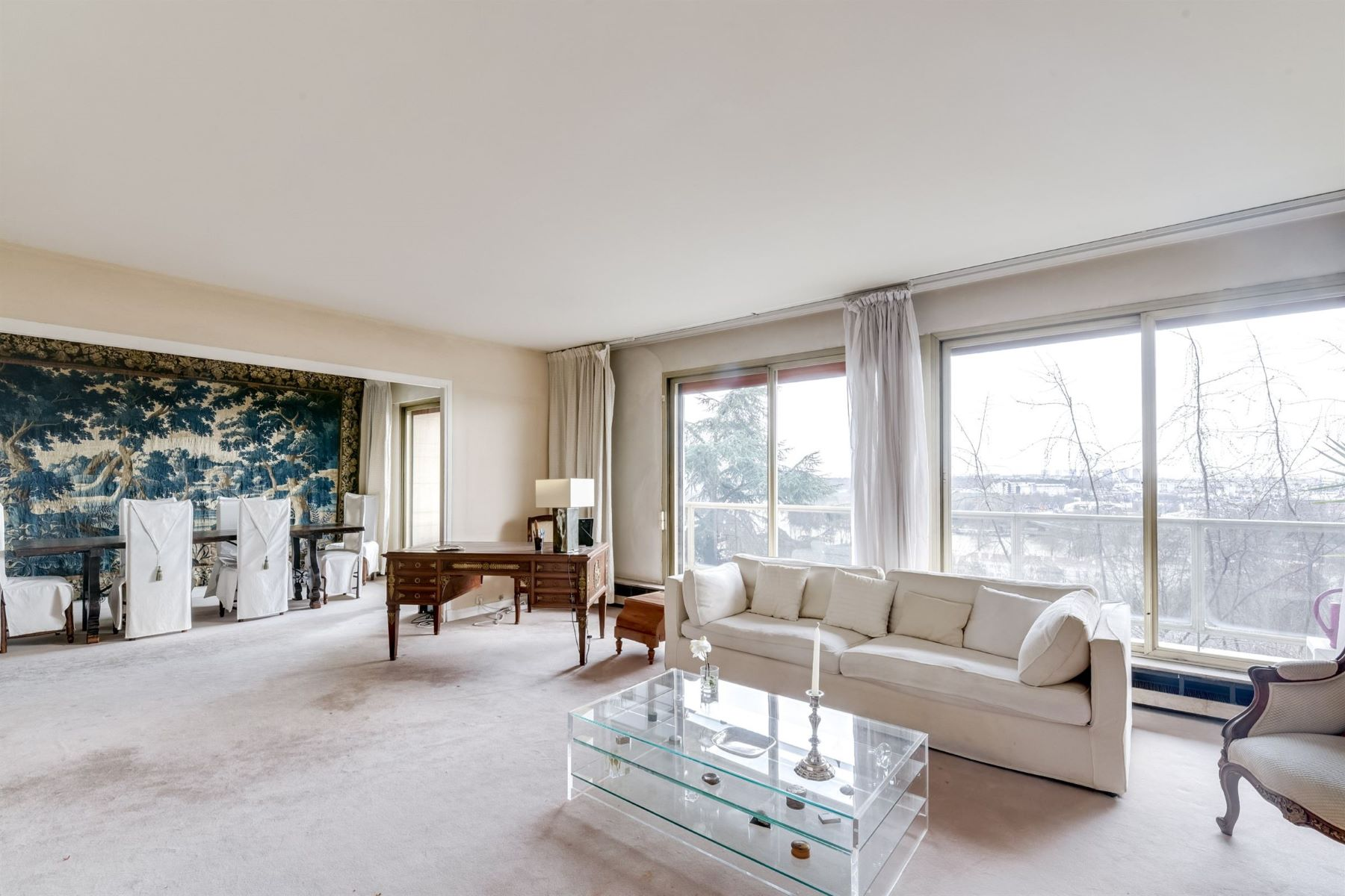 Apartment for Sale at Eiffel Tower view apartment for sale in Saint-Cloud Parc de Béarn Other Ile-De-France, Ile-De-France, 92210 France