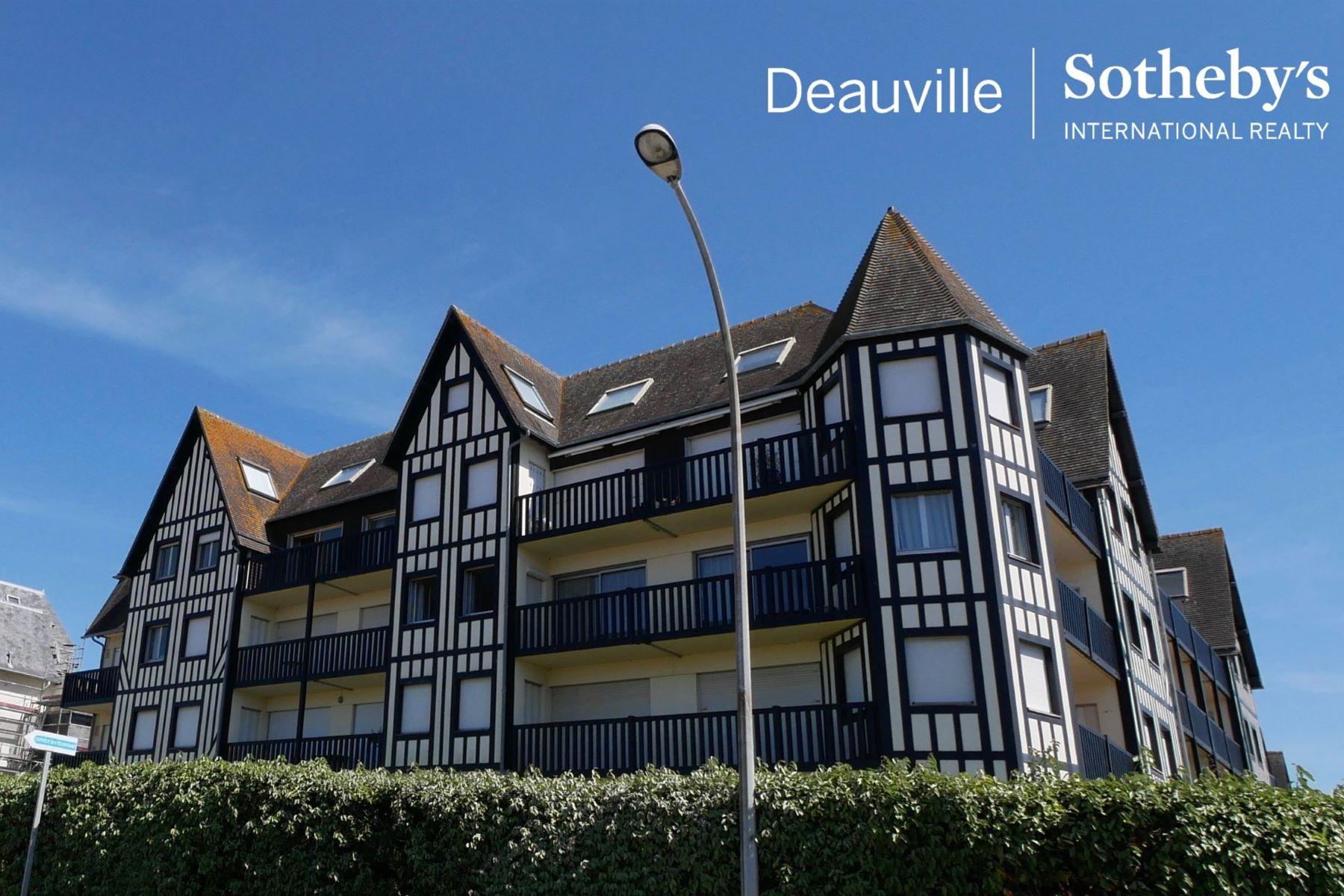 Apartments por un Venta en Duplex Deauville, Baja Normandia 14800 Francia