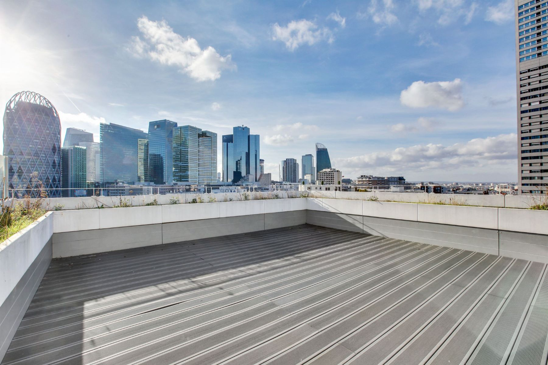 Apartments for Active at Elegant property with terrace in Courbevoie - City-Centre Courbevoie, Ile-De-France 92400 France