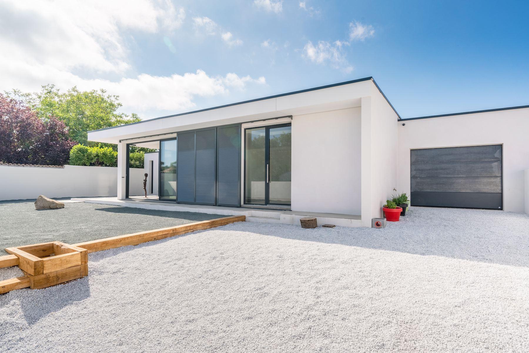 Single Family Homes for Sale at Villa Design near La Rochelle La Rochelle, Poitou-Charentes 17000 France