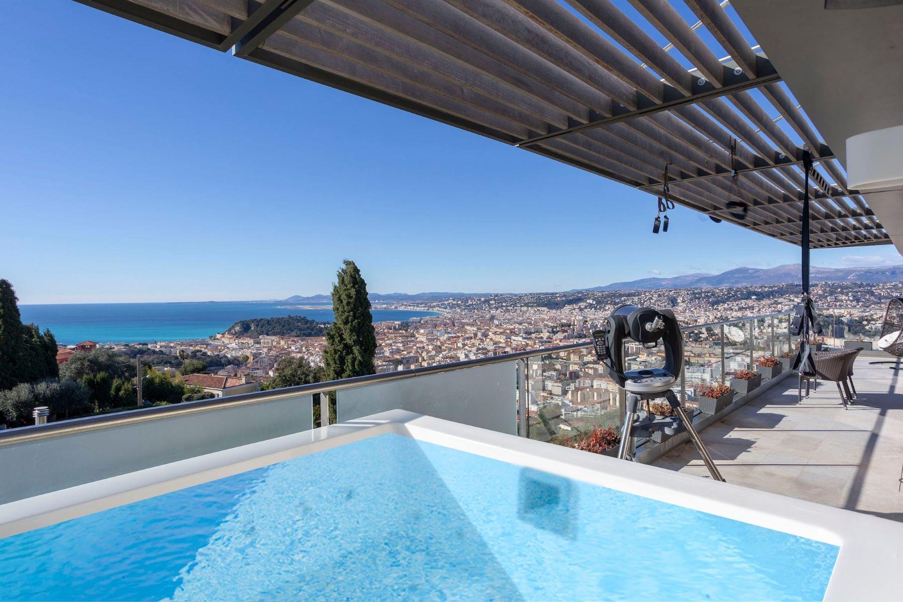 Apartments por un Venta en Penthouse Nice, Provincia - Alpes - Costa Azul 06300 Francia