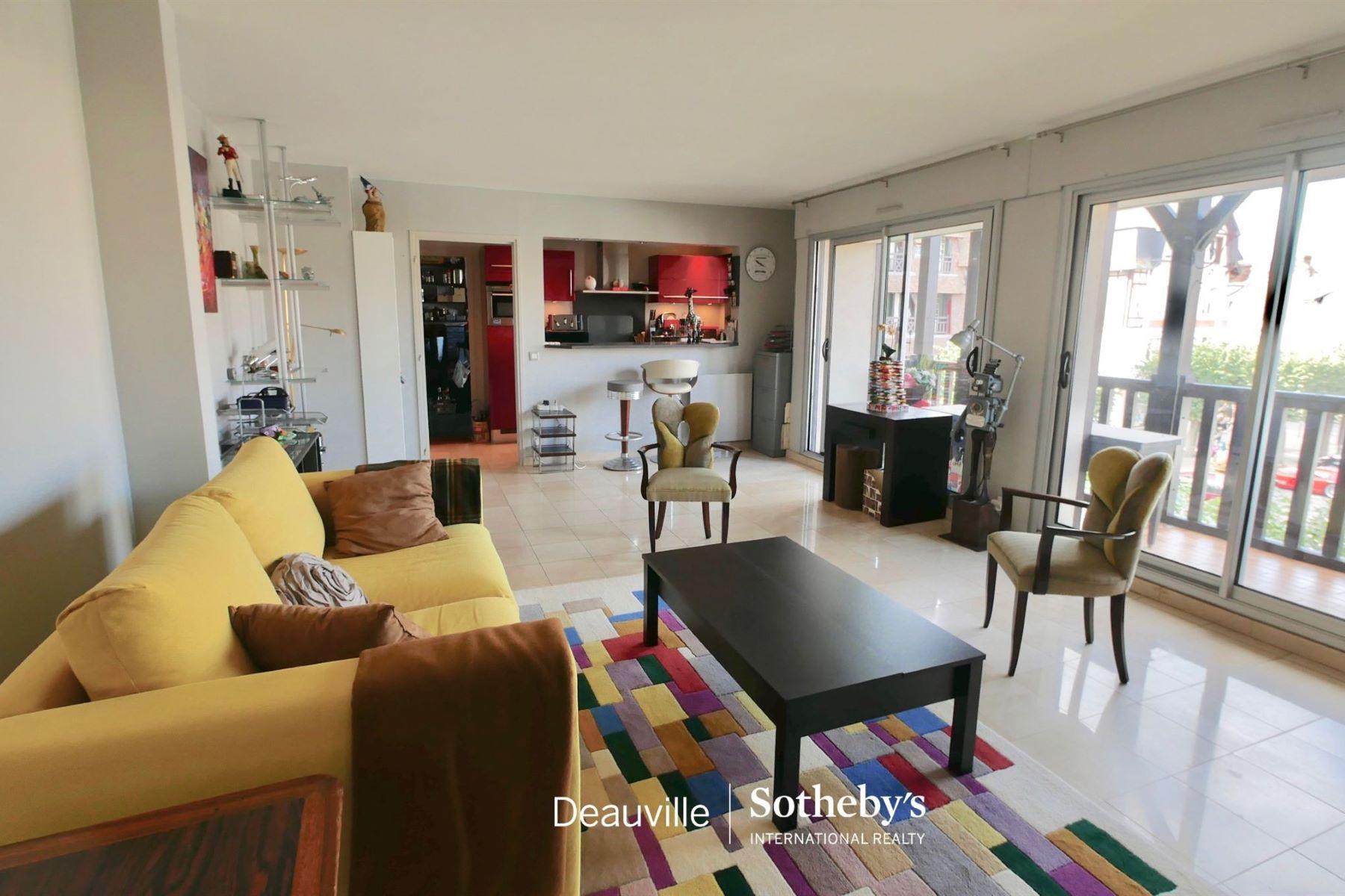 Apartments por un Venta en Apartment Deauville, Baja Normandia 14800 Francia