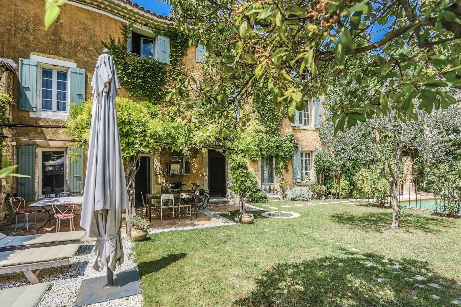 Single Family Homes por un Venta en Provencal village house Venasque, Provincia - Alpes - Costa Azul 84210 Francia