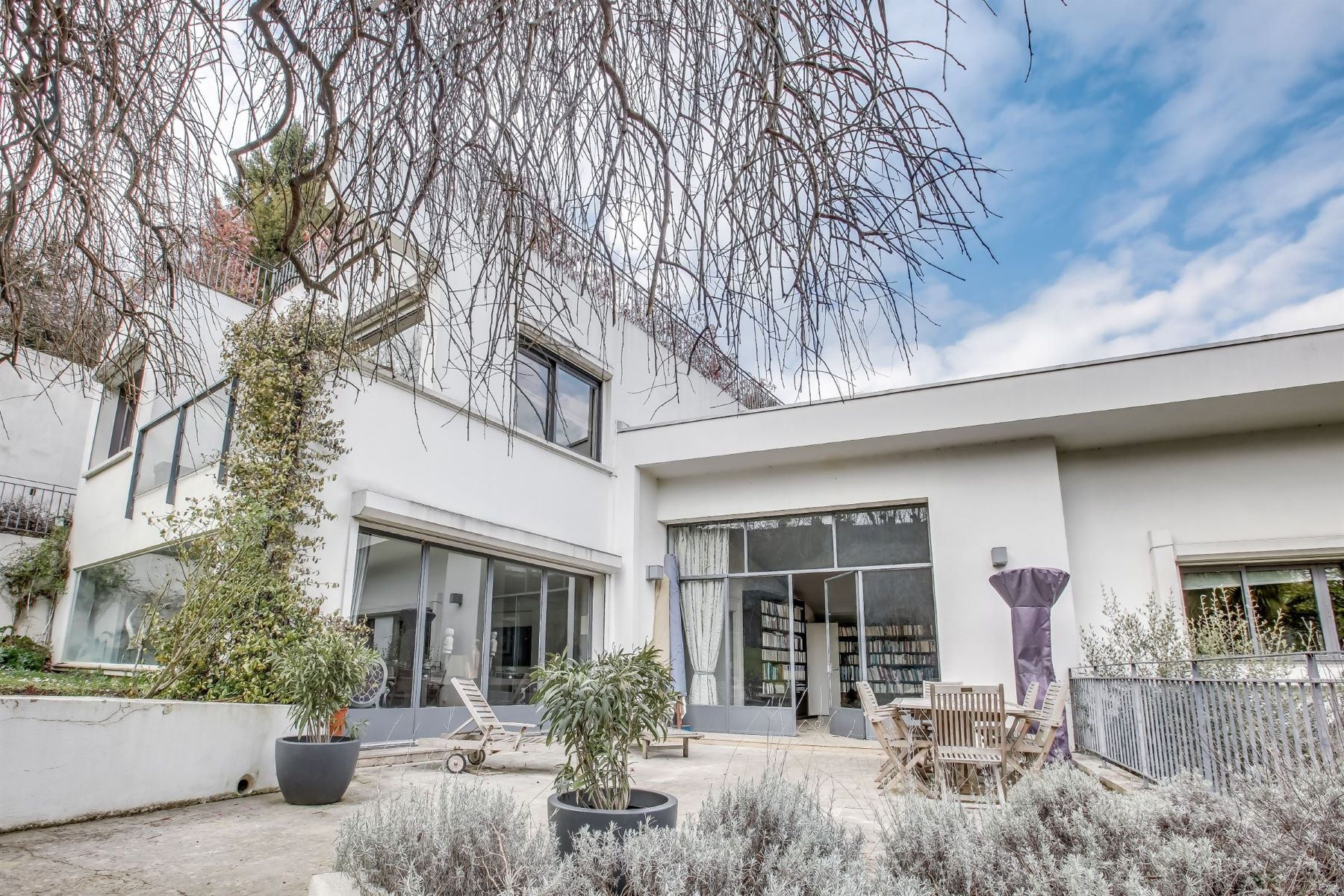 Single Family Home for Sale at Elegant architect property facing South for sale Saint-Cloud Saint-Cloud village Other Ile-De-France, Ile-De-France, 92210 France