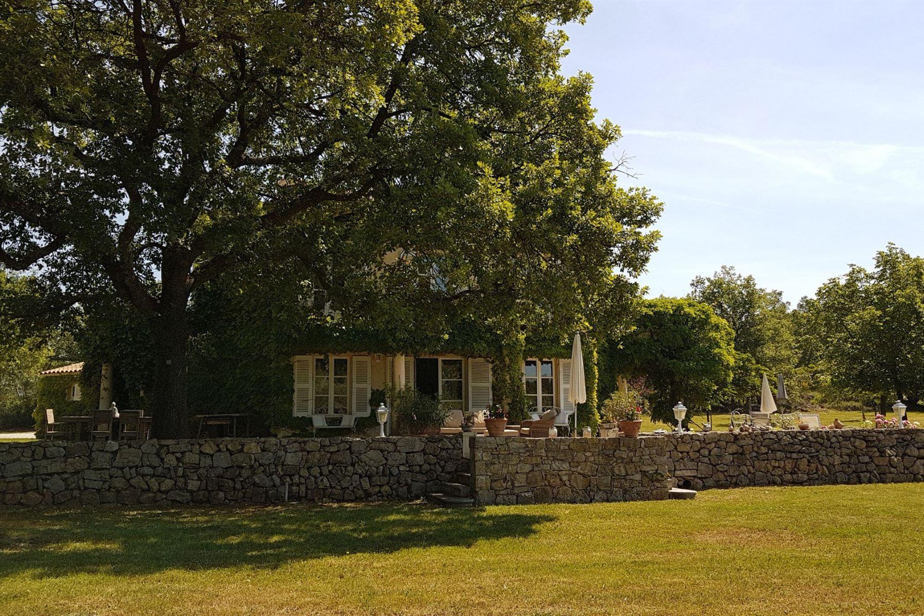 Single Family Homes por un Venta en Charming property Fayence, Provincia - Alpes - Costa Azul 83440 Francia