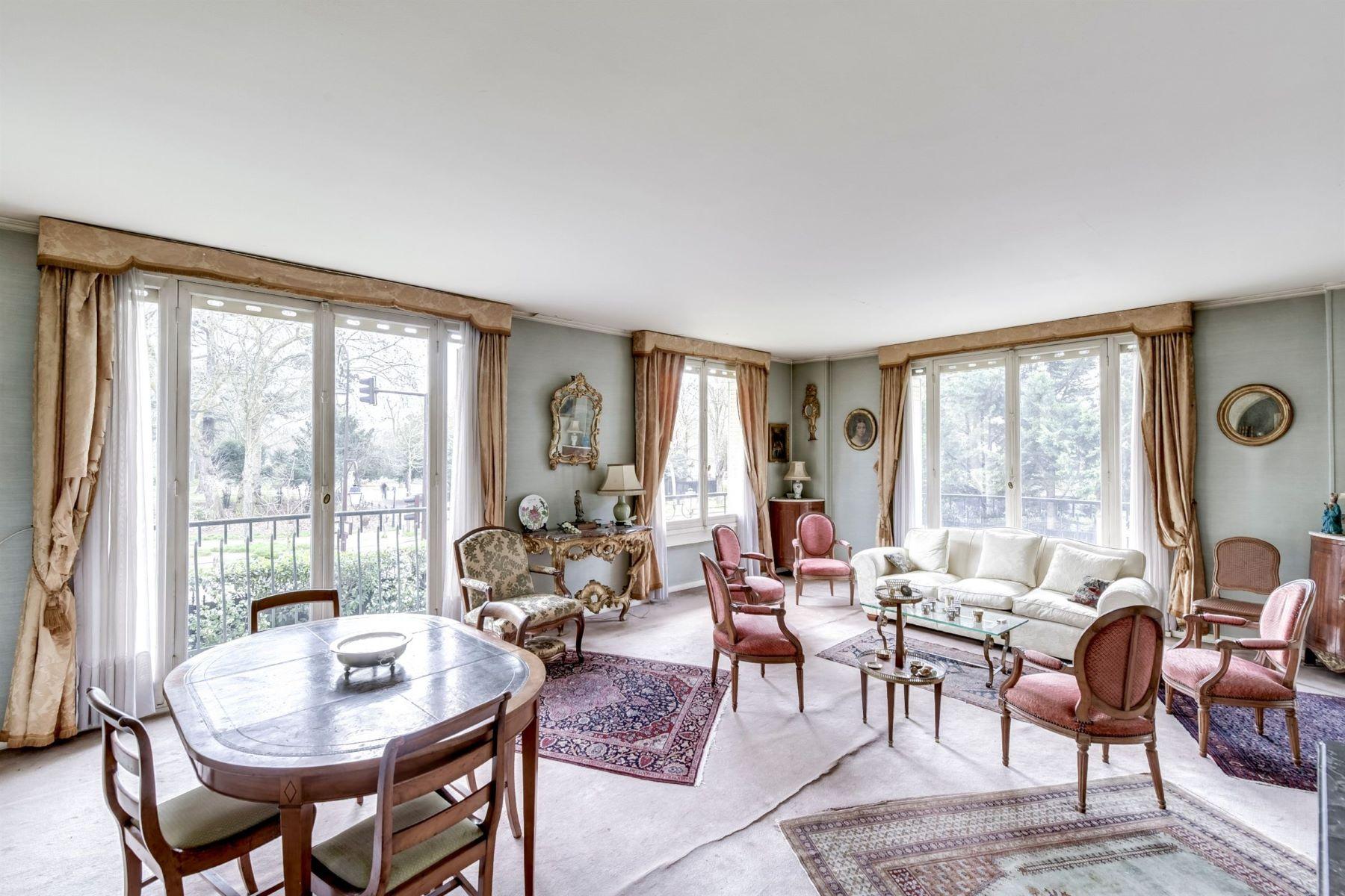 Apartment for Sale at Beautiful 133 sq.m apartment, excellent plan for sale, Neuilly – Bois Neuilly Sur Seine, Ile-De-France, 92200 France
