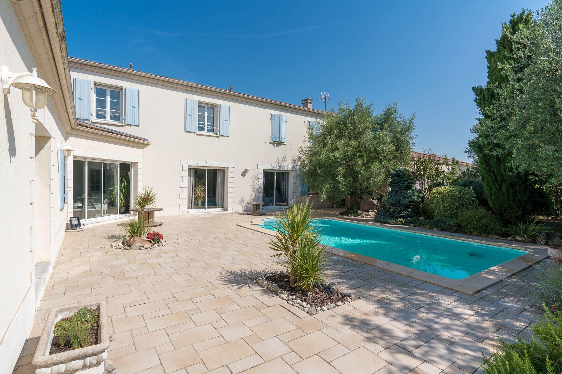 Single Family Homes 为 销售 在 Family House Châtelaillon Plage 拉罗谢尔, 普瓦图夏朗德 17000 法国