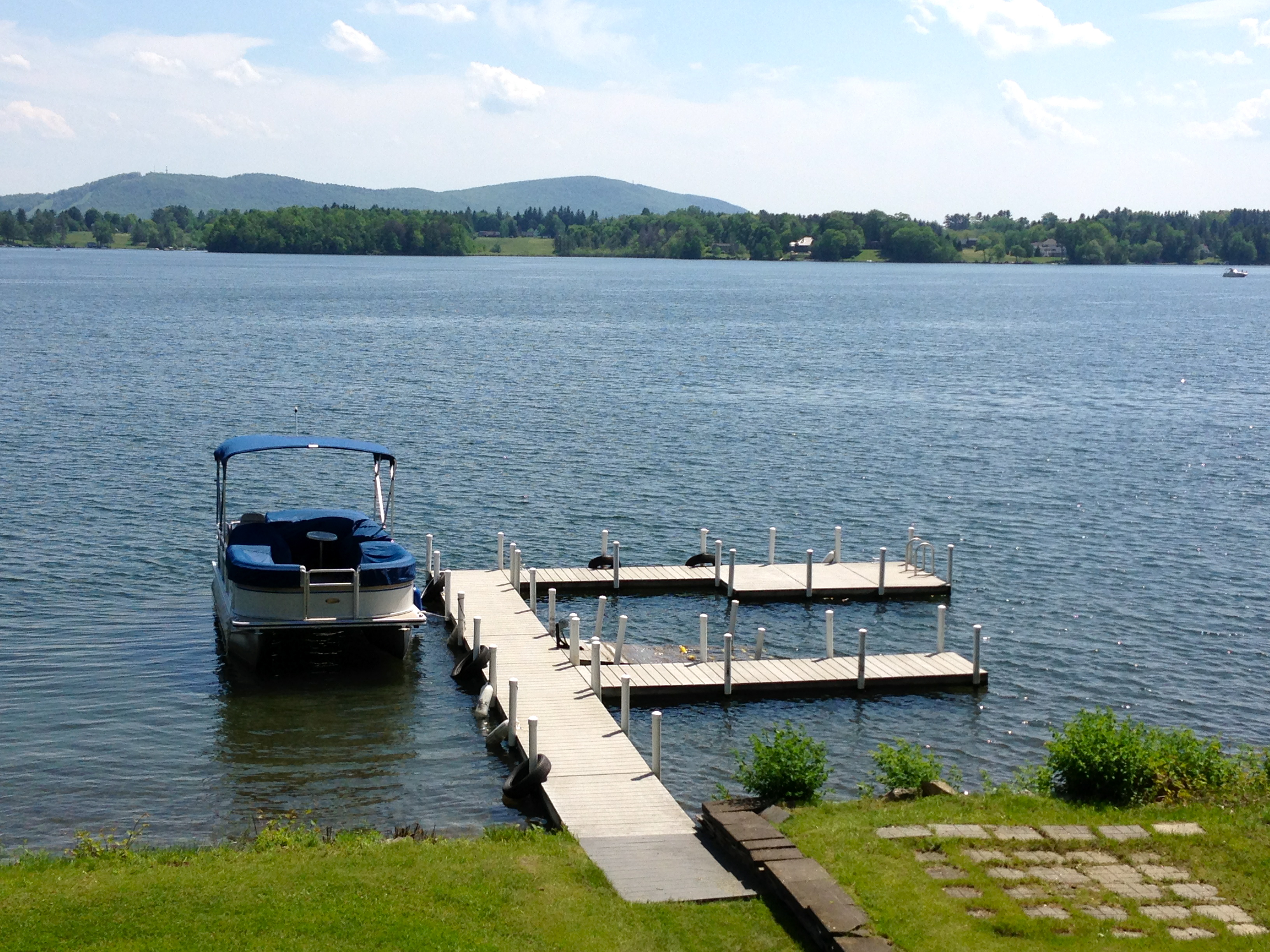 Single Family Home for Sale at Waterfront on Appletree Point 18 Appletree Point Pittsfield, Massachusetts 01201 United States