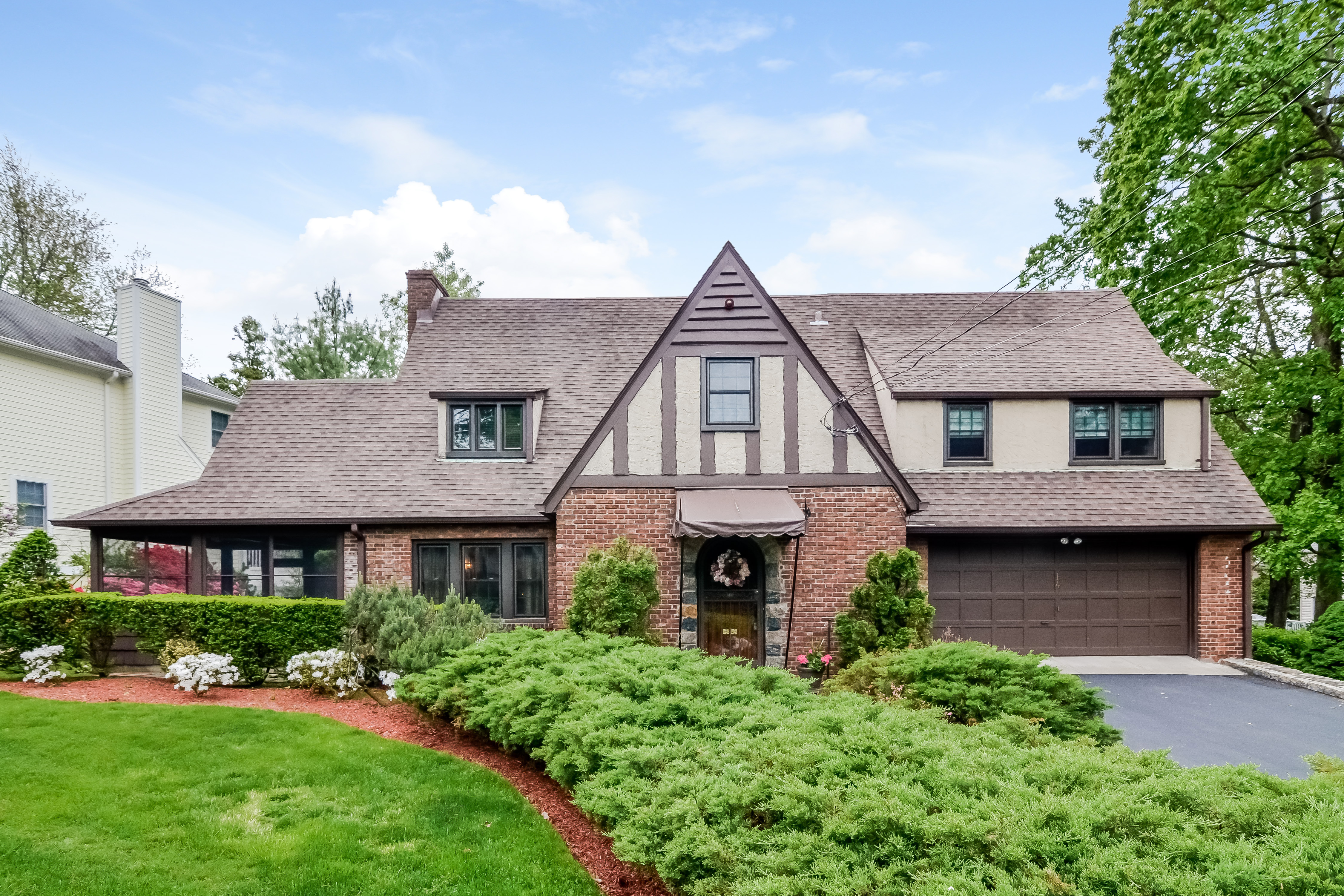 Single Family Home for Sale at Gracious Greenvale Tudor 14 Fernway Scarsdale, New York 10583 United States