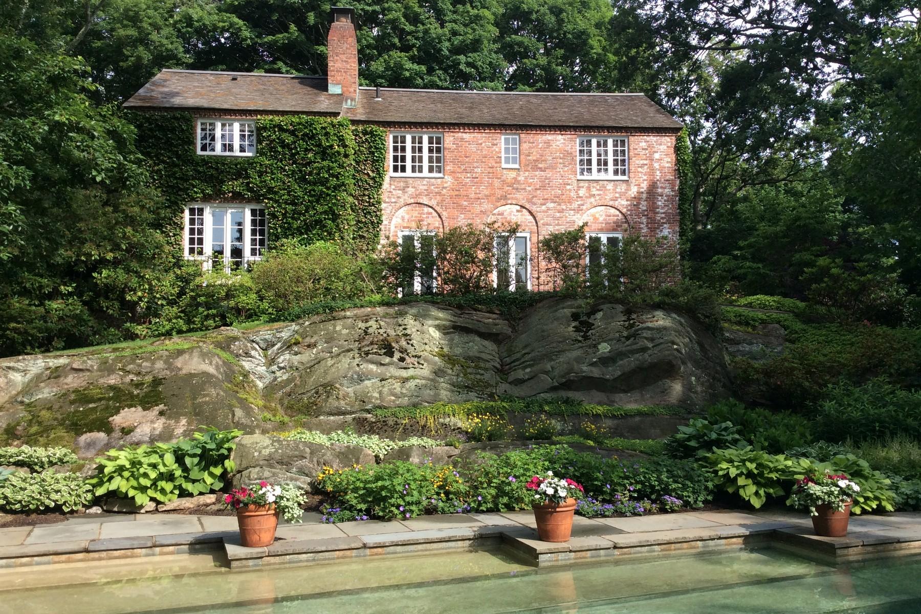 Einfamilienhaus für Verkauf beim Bittersweet - A European Inspired Brick Home 17 Library Ln Old Lyme, Connecticut 06371 Vereinigte Staaten