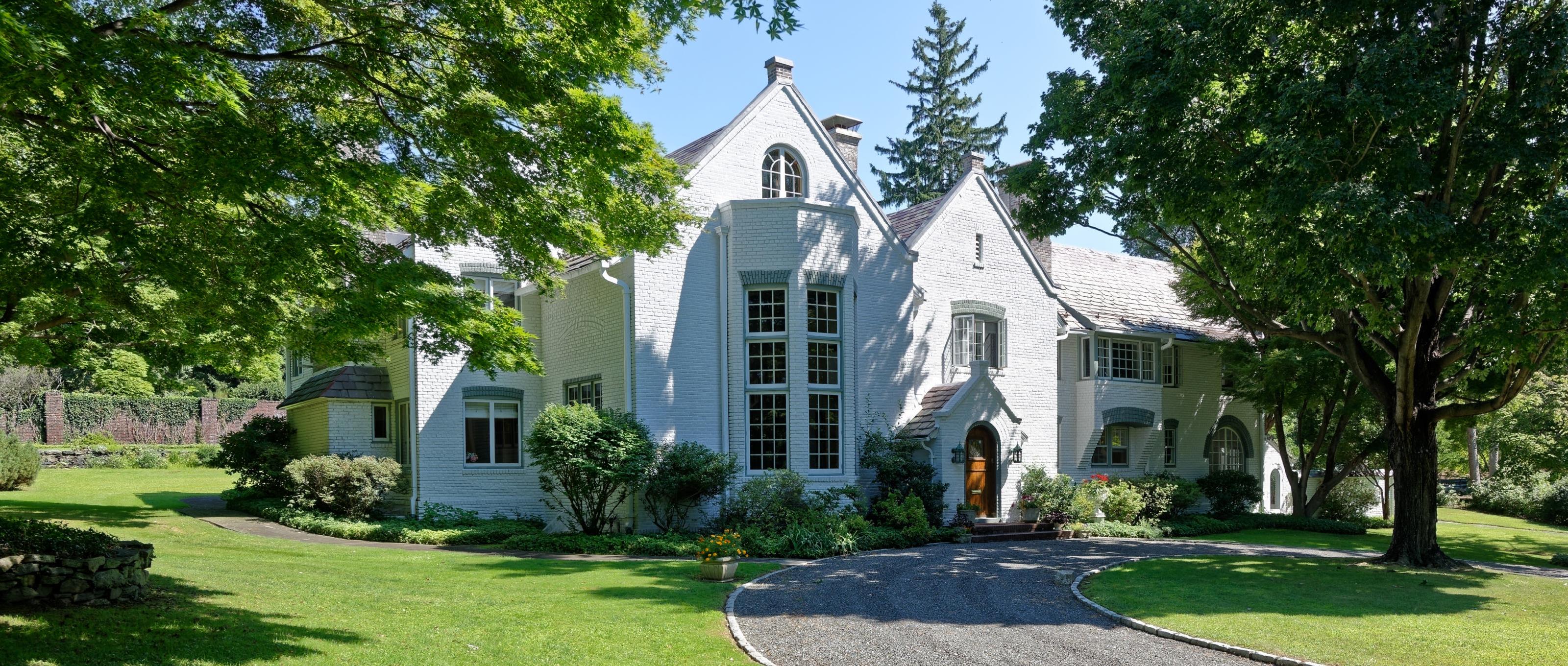 Villa per Vendita alle ore Magnificent country manor 1 Belmont Drive Irvington, New York 10533 Stati Uniti