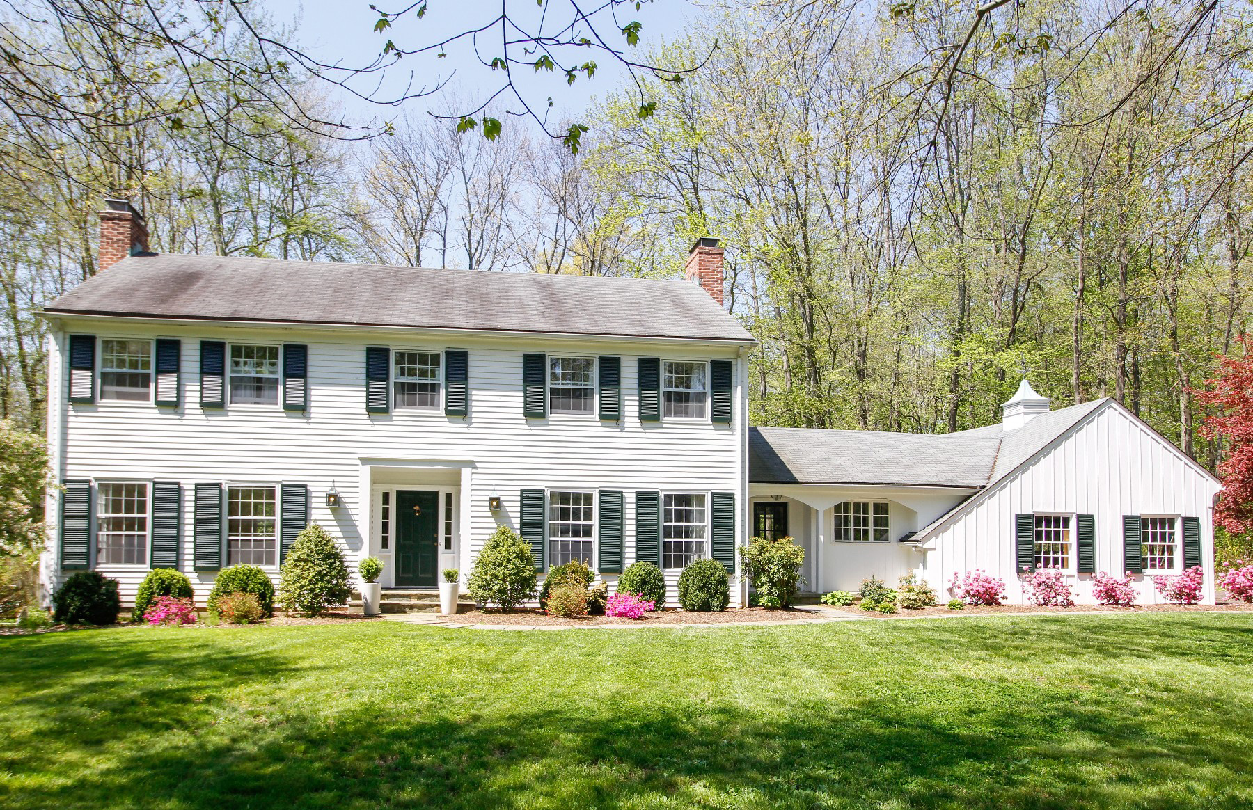 Single Family Home for Sale at Stately Center Hall Colonial 10 Pilgrim Road Darien, Connecticut, 06820 United States
