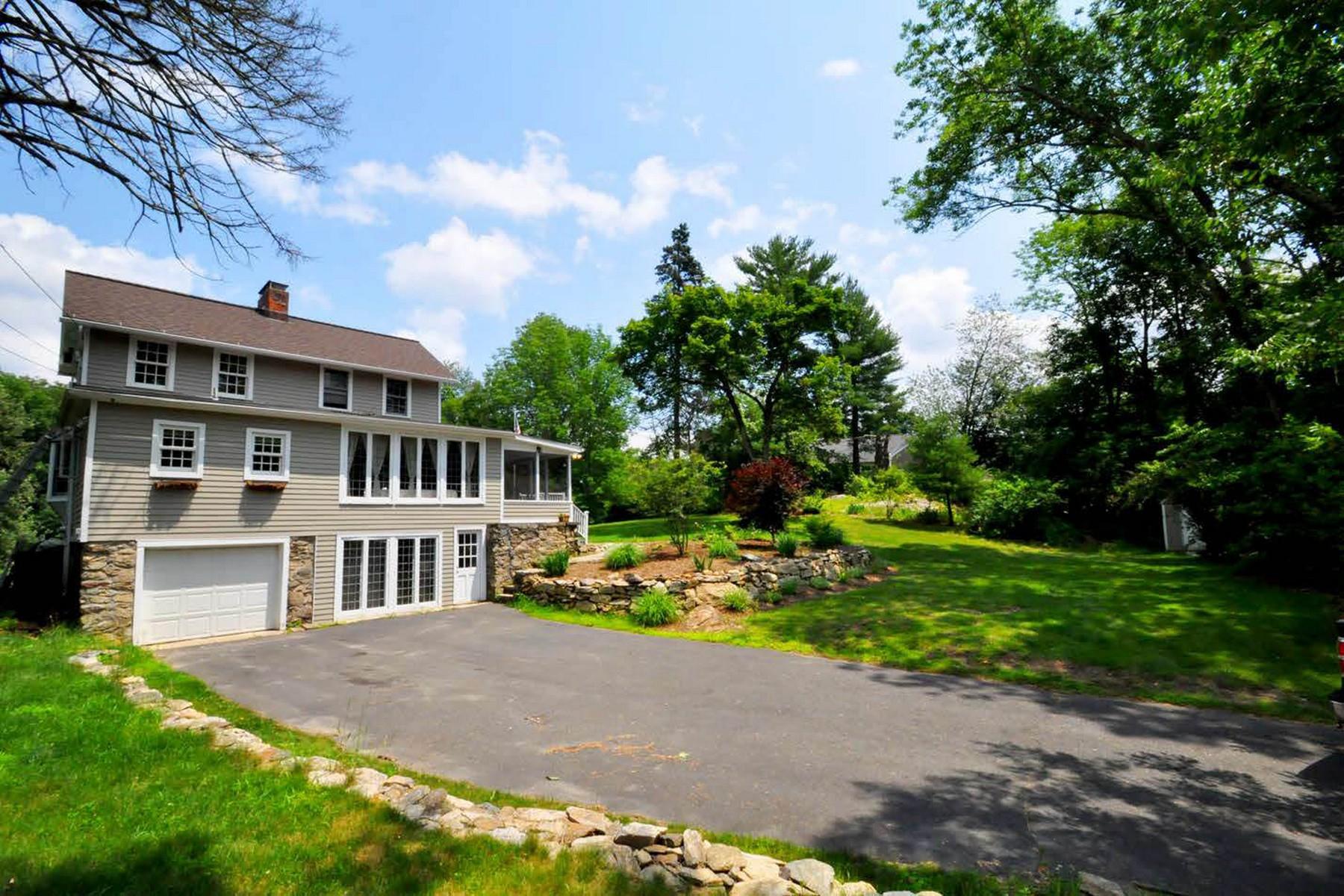 Частный односемейный дом для того Продажа на Charming Farmhouse Colonial 78 Black Rock Turnpike Redding, Коннектикут 06896 Соединенные Штаты