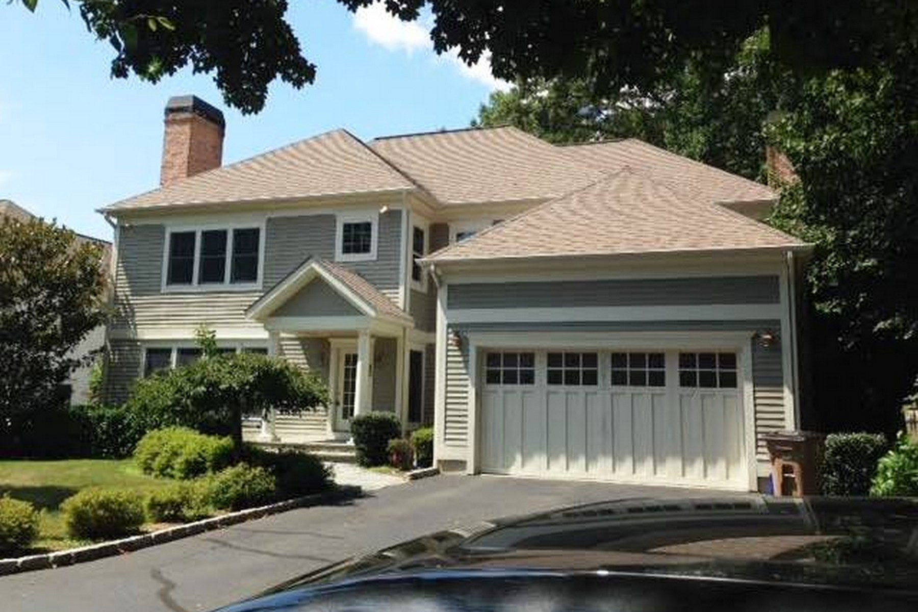 Single Family Home for Sale at Turn of River Colonial 20 Mid River Run Road Stamford, Connecticut 06902 United States