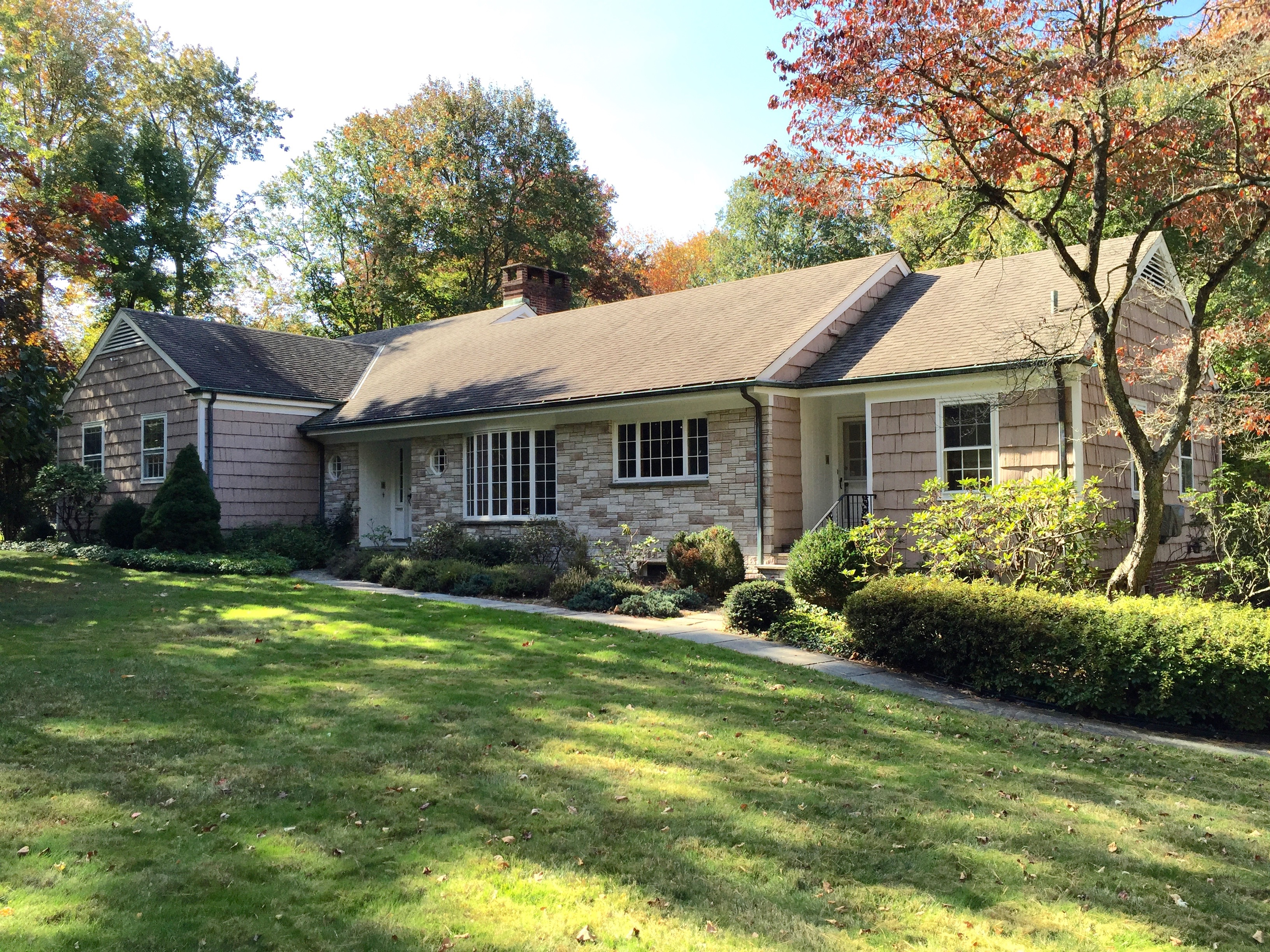 Vivienda unifamiliar por un Venta en Rare Opportunity - Two Acres Prime Location 397 Middlesex Road Darien, Connecticut 06820 Estados Unidos